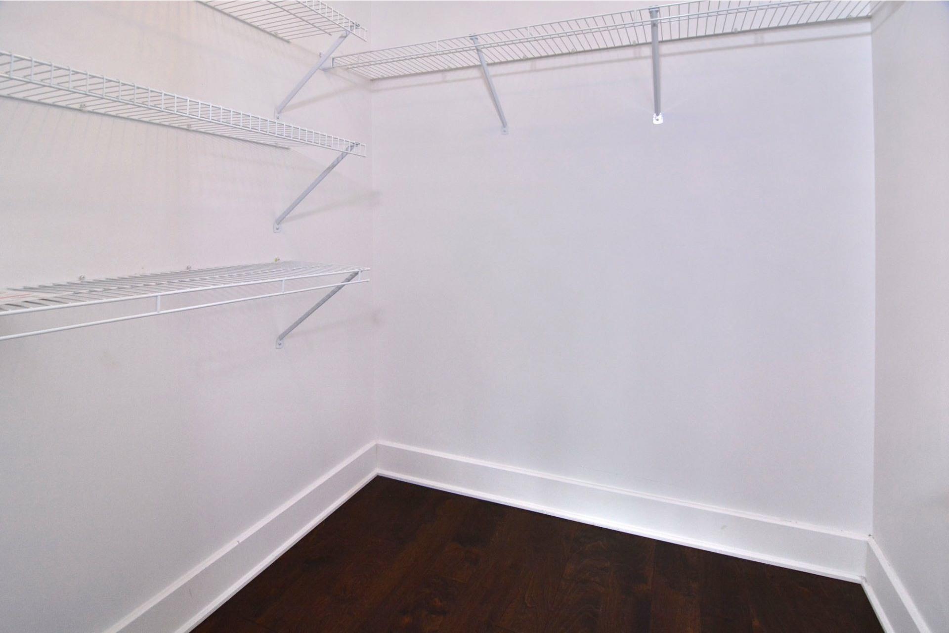 image 16 - Appartement À louer Pointe-Claire - 10 pièces