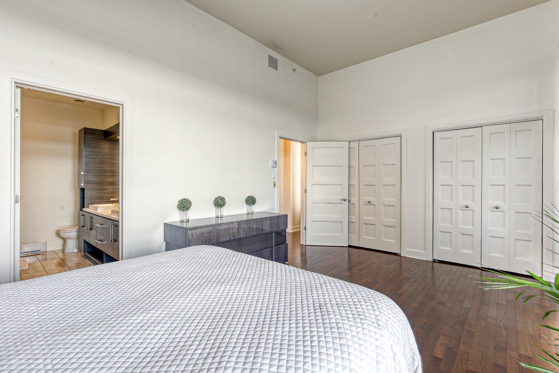 image 15 - Appartement À vendre Sainte-Dorothée Laval  - 9 pièces