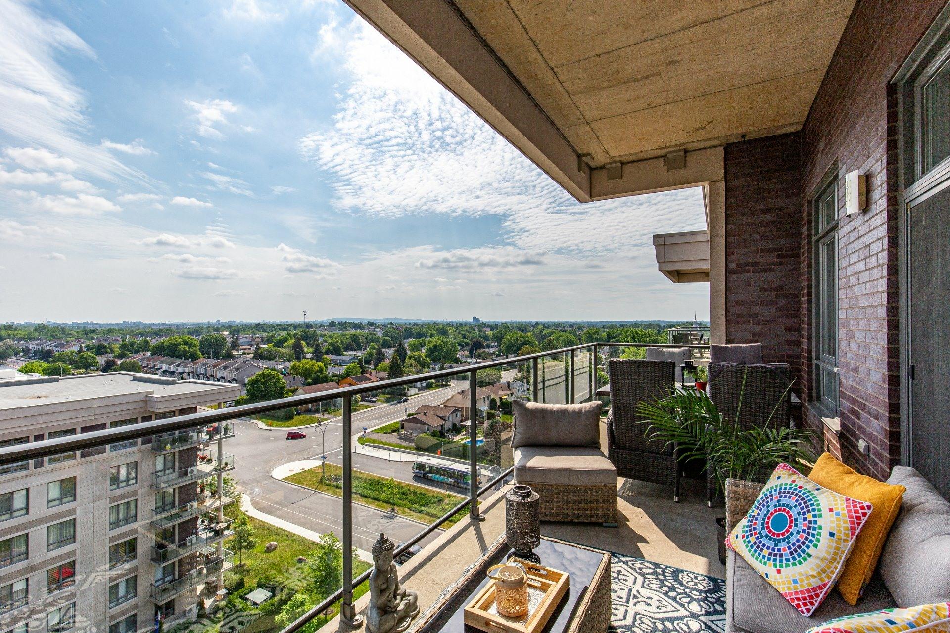 image 1 - Appartement À vendre Sainte-Dorothée Laval  - 9 pièces