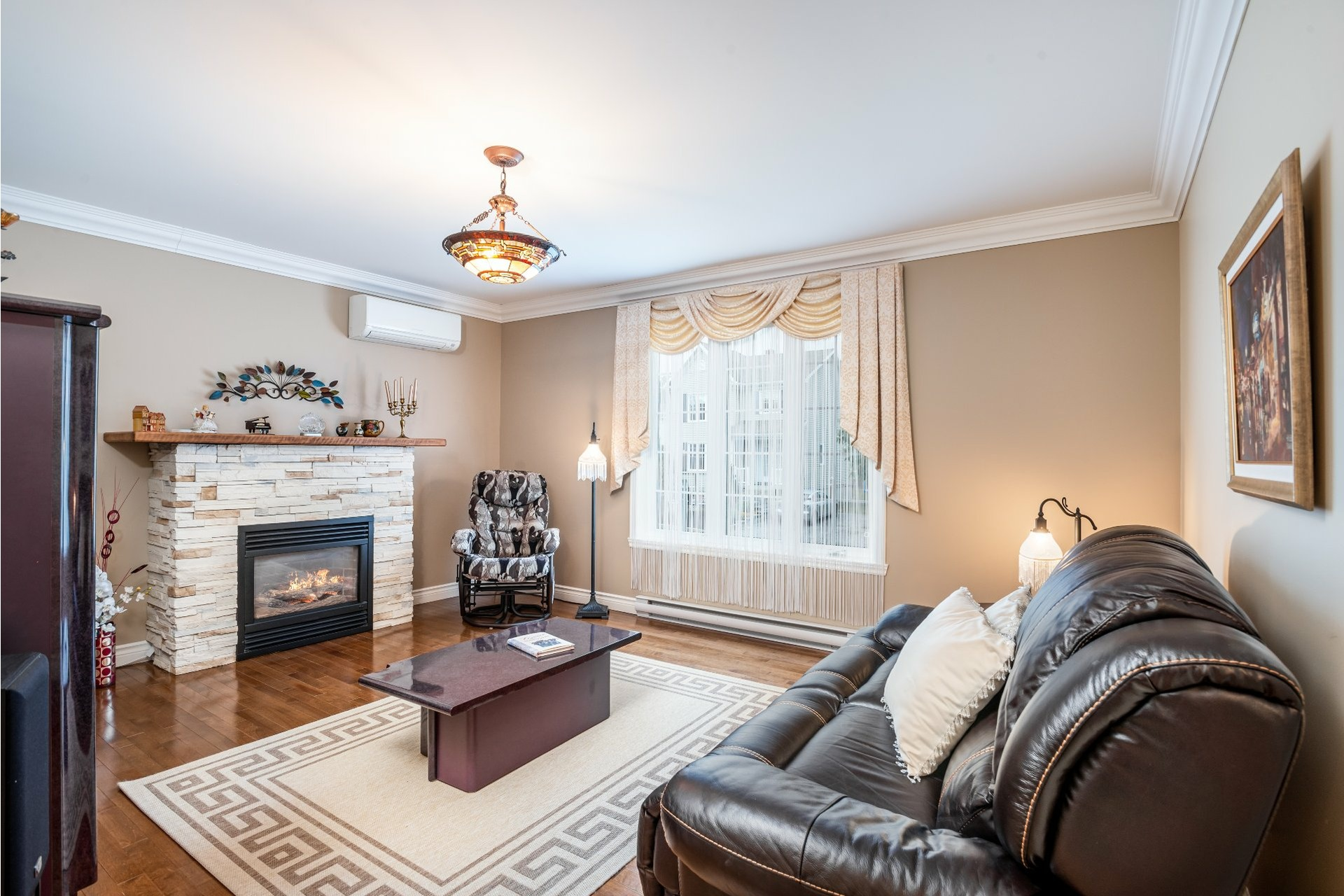 image 2 - Duplex For sale Charlesbourg Québec  - 8 rooms
