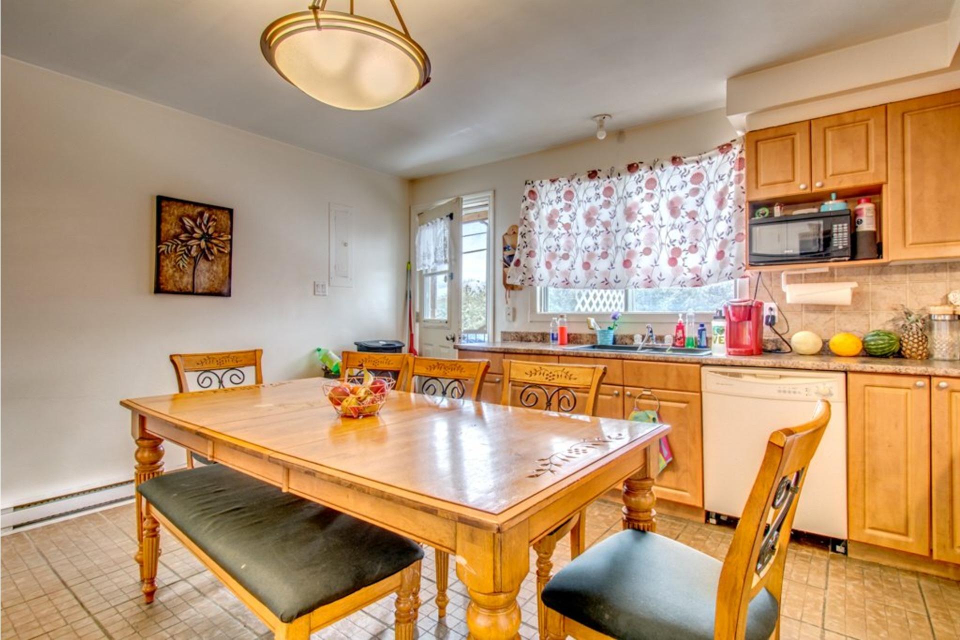 image 2 - Appartement À vendre Sorel-Tracy - 6 pièces