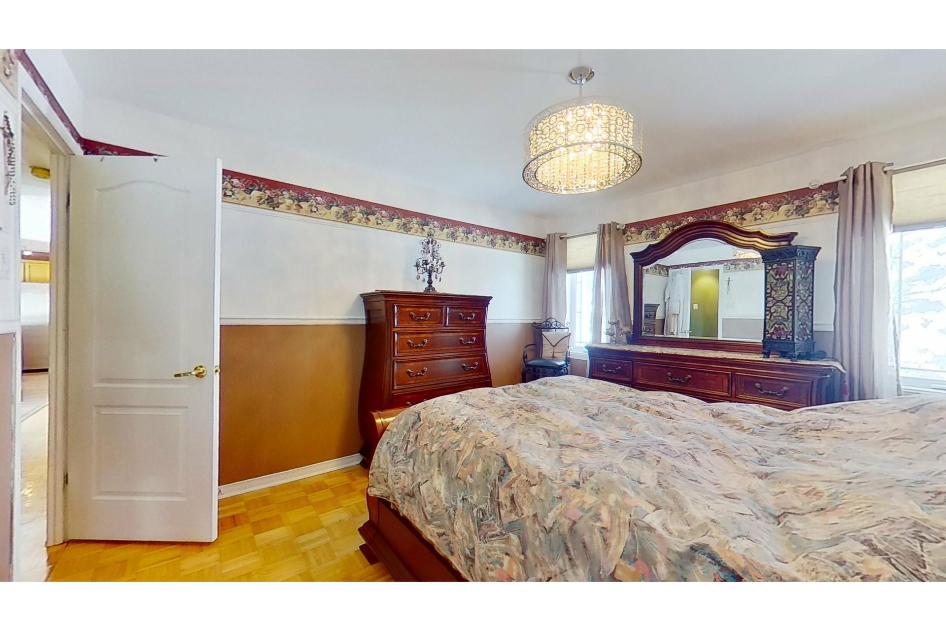 image 17 - House For sale Saint-Eustache - 13 rooms