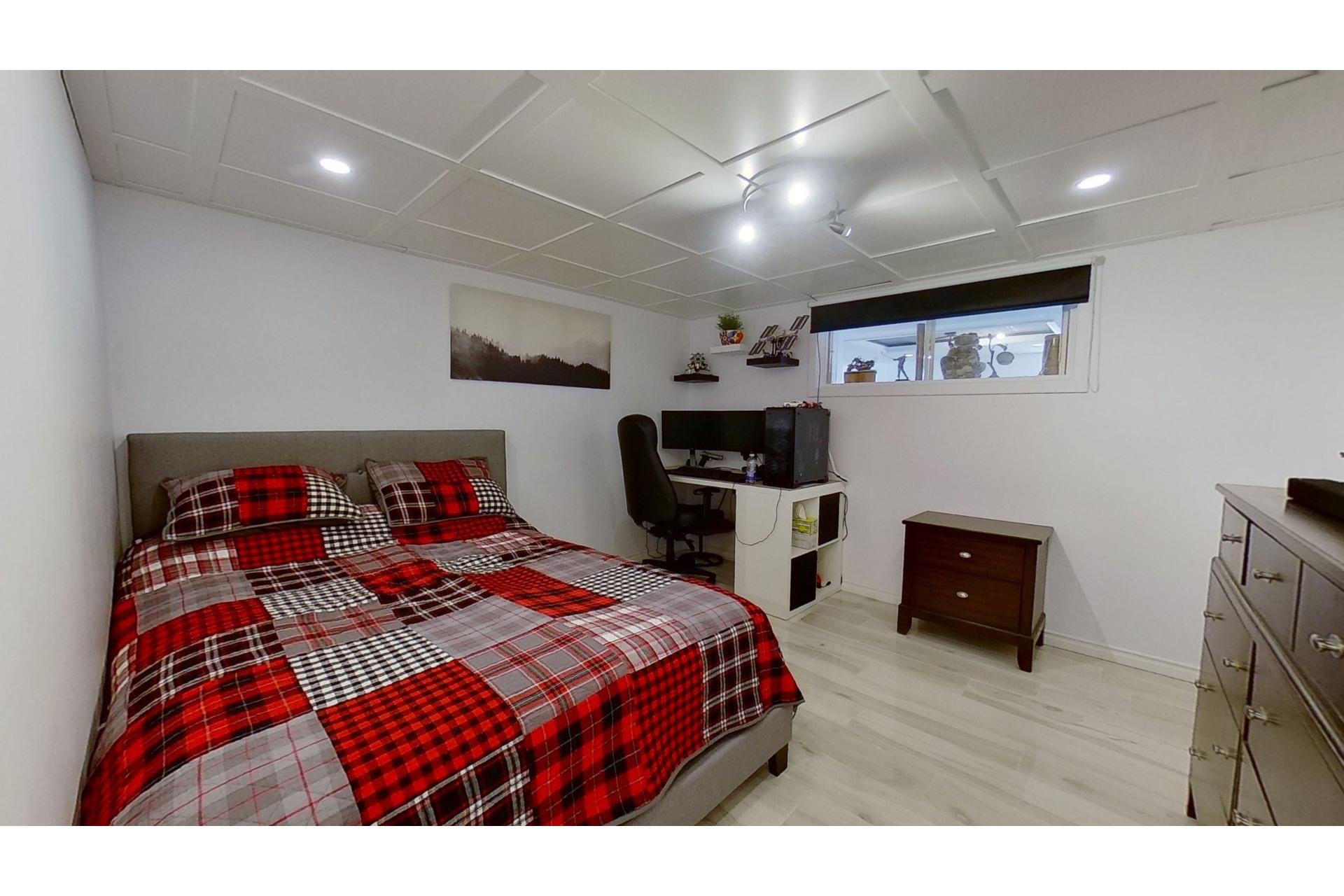 image 27 - House For sale Saint-Eustache - 13 rooms