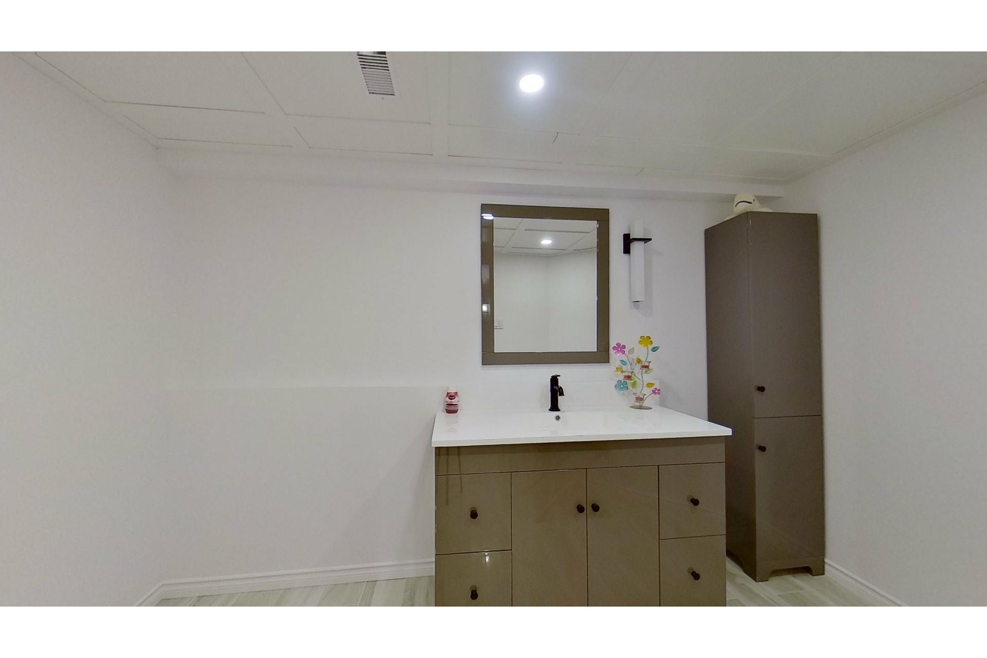 image 22 - House For sale Saint-Eustache - 13 rooms
