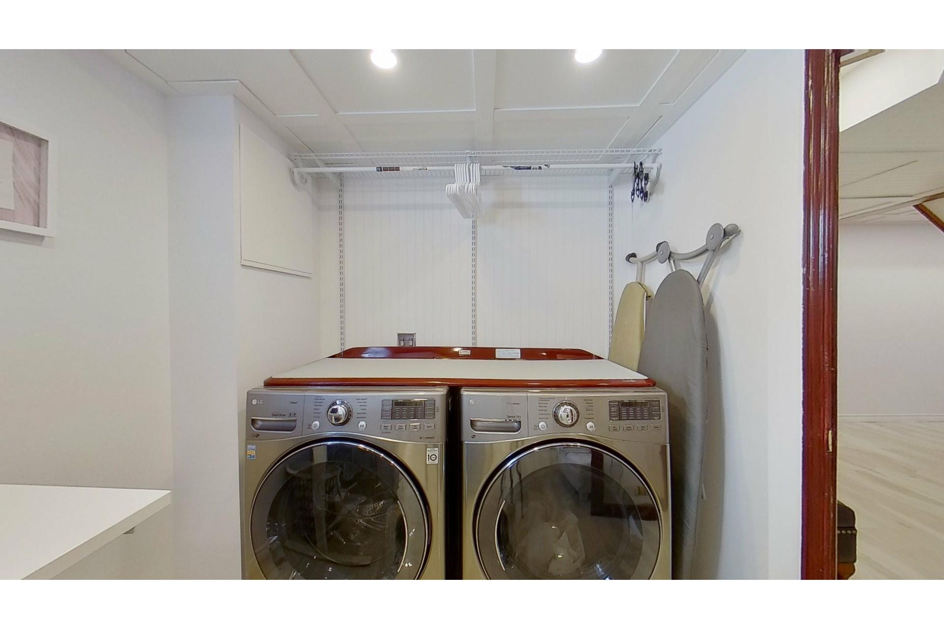 image 26 - House For sale Saint-Eustache - 13 rooms