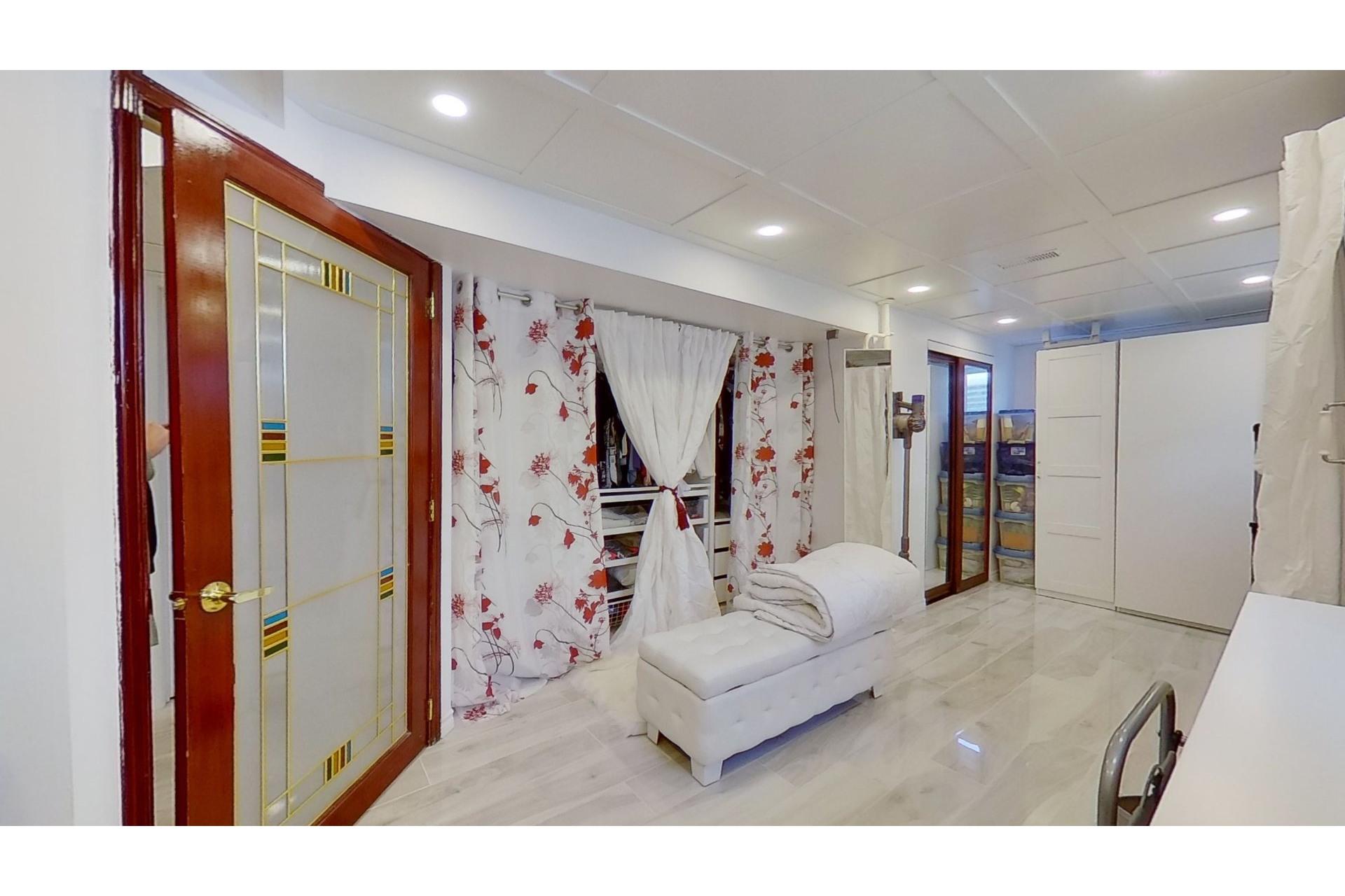 image 25 - House For sale Saint-Eustache - 13 rooms