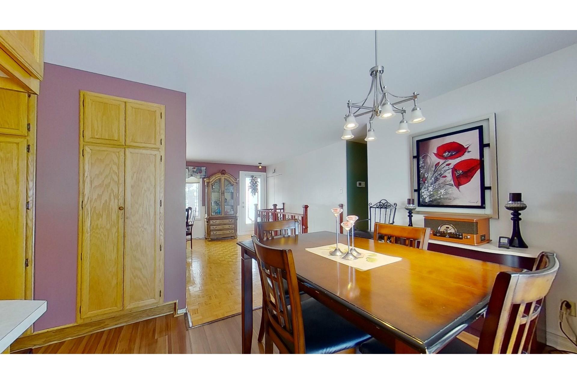 image 8 - House For sale Saint-Eustache - 13 rooms