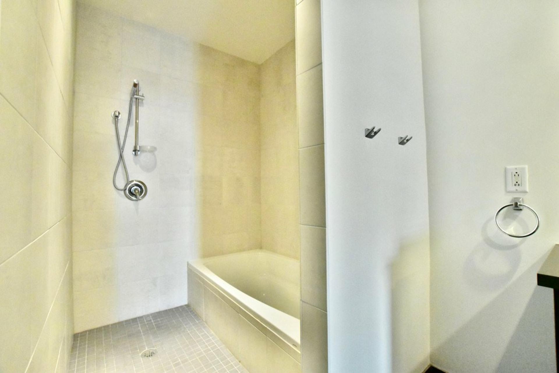 image 25 - Departamento Para alquiler Villeray/Saint-Michel/Parc-Extension Montréal  - 3 habitaciones