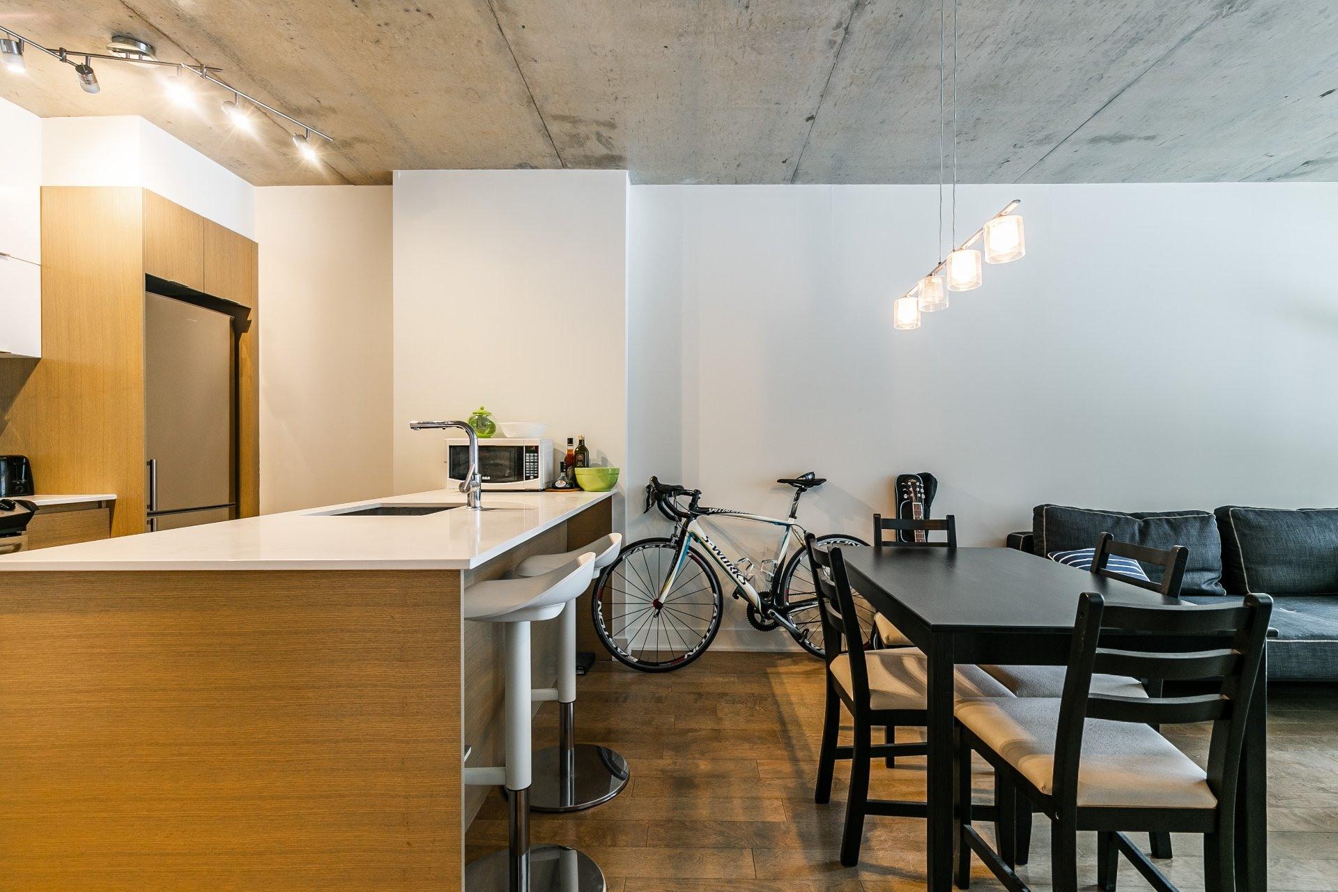 image 6 - Apartment For rent Le Sud-Ouest Montréal  - 5 rooms