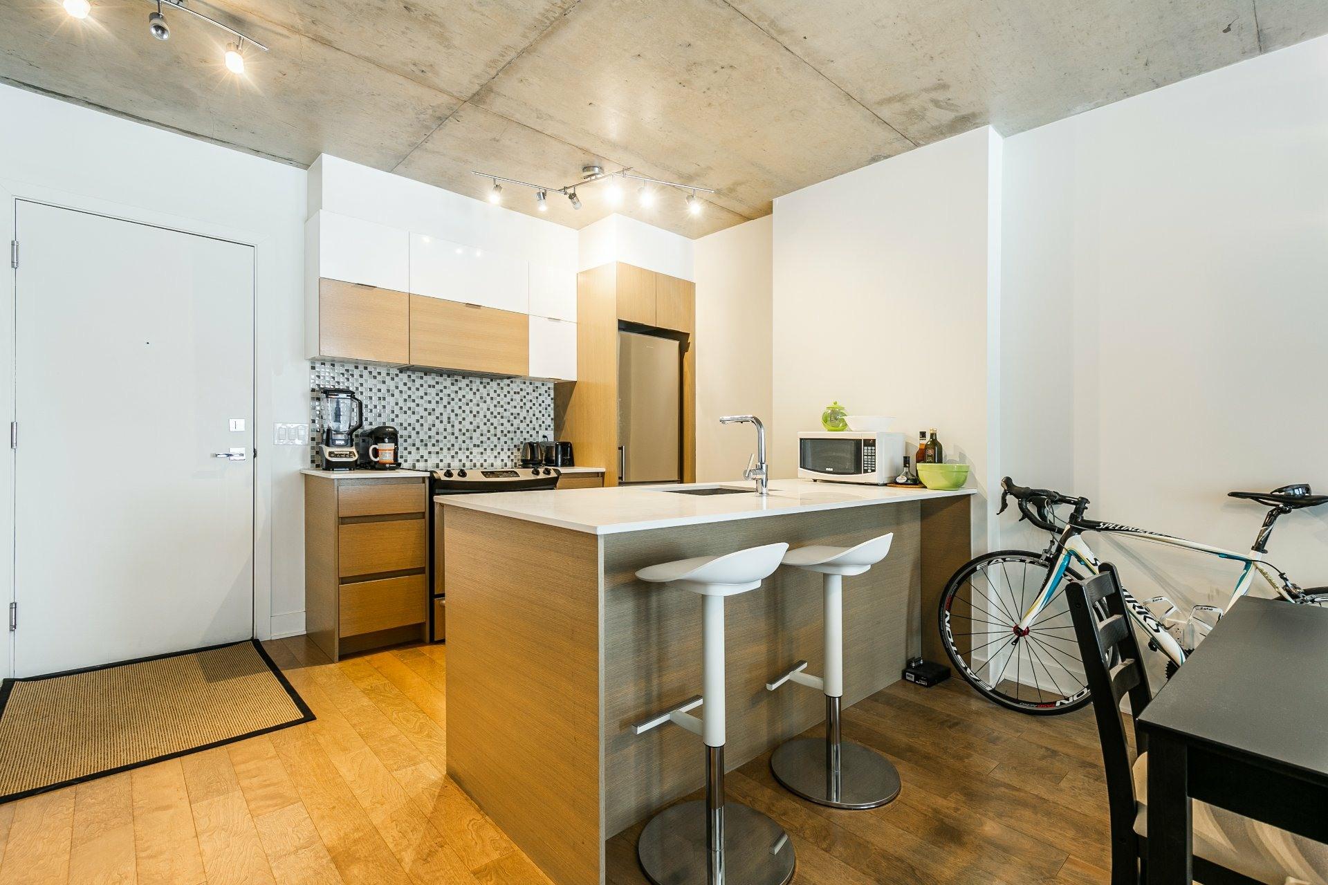 image 4 - Apartment For rent Le Sud-Ouest Montréal  - 5 rooms