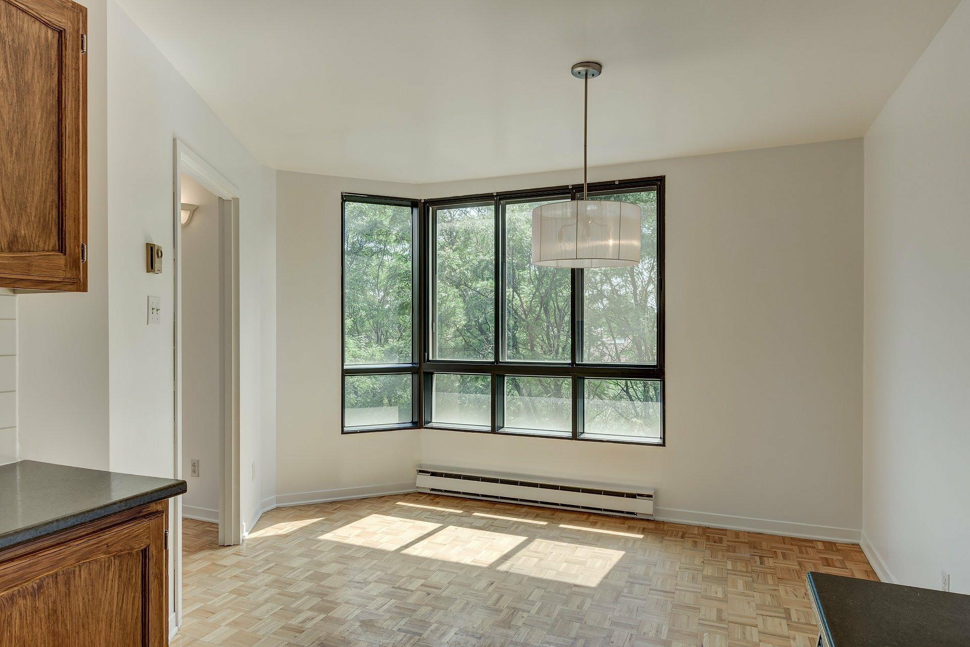 image 7 - Apartment For rent Ville-Marie Montréal  - 5 rooms