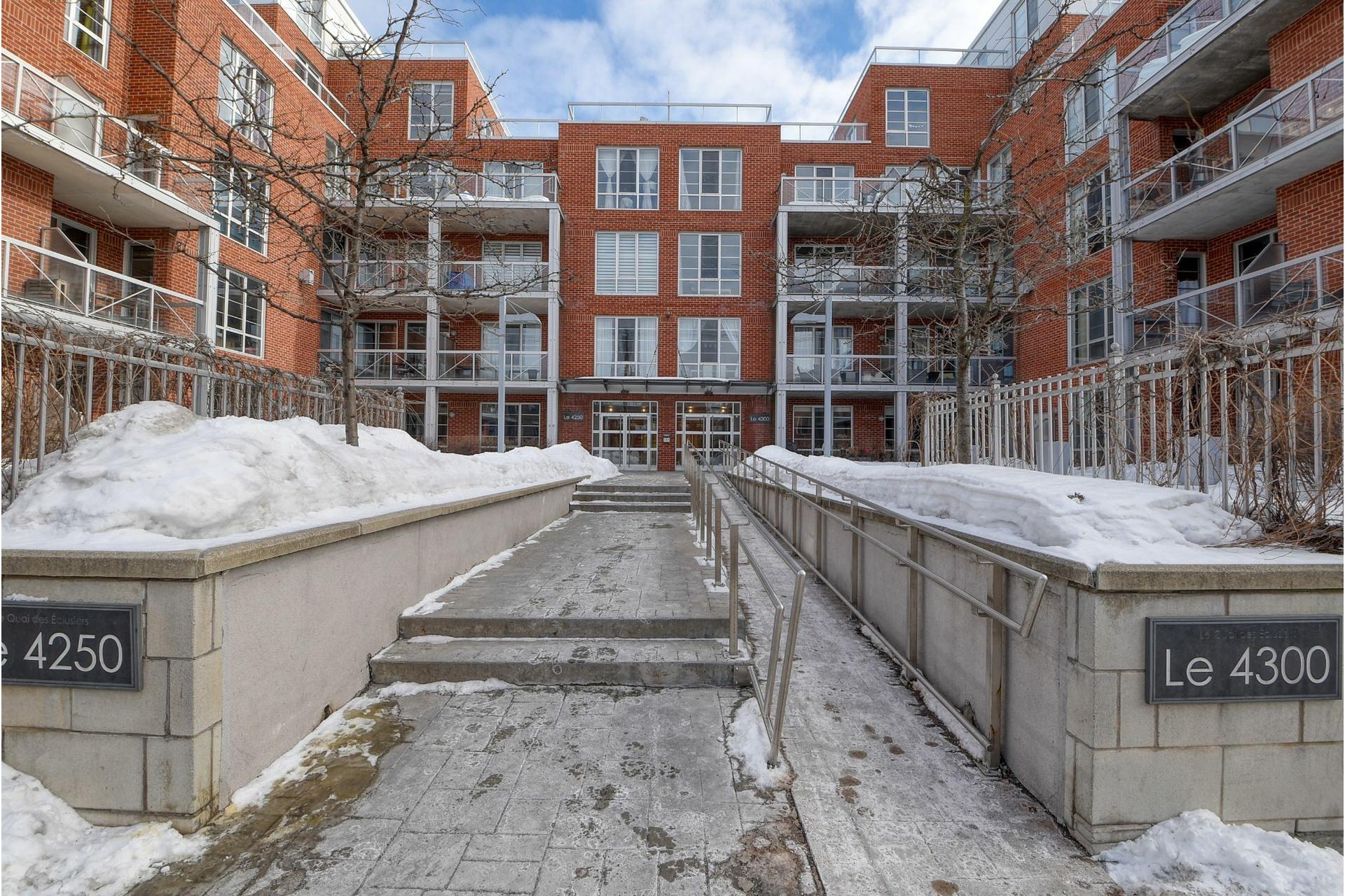 image 18 - Appartement À vendre Le Sud-Ouest Montréal  - 6 pièces