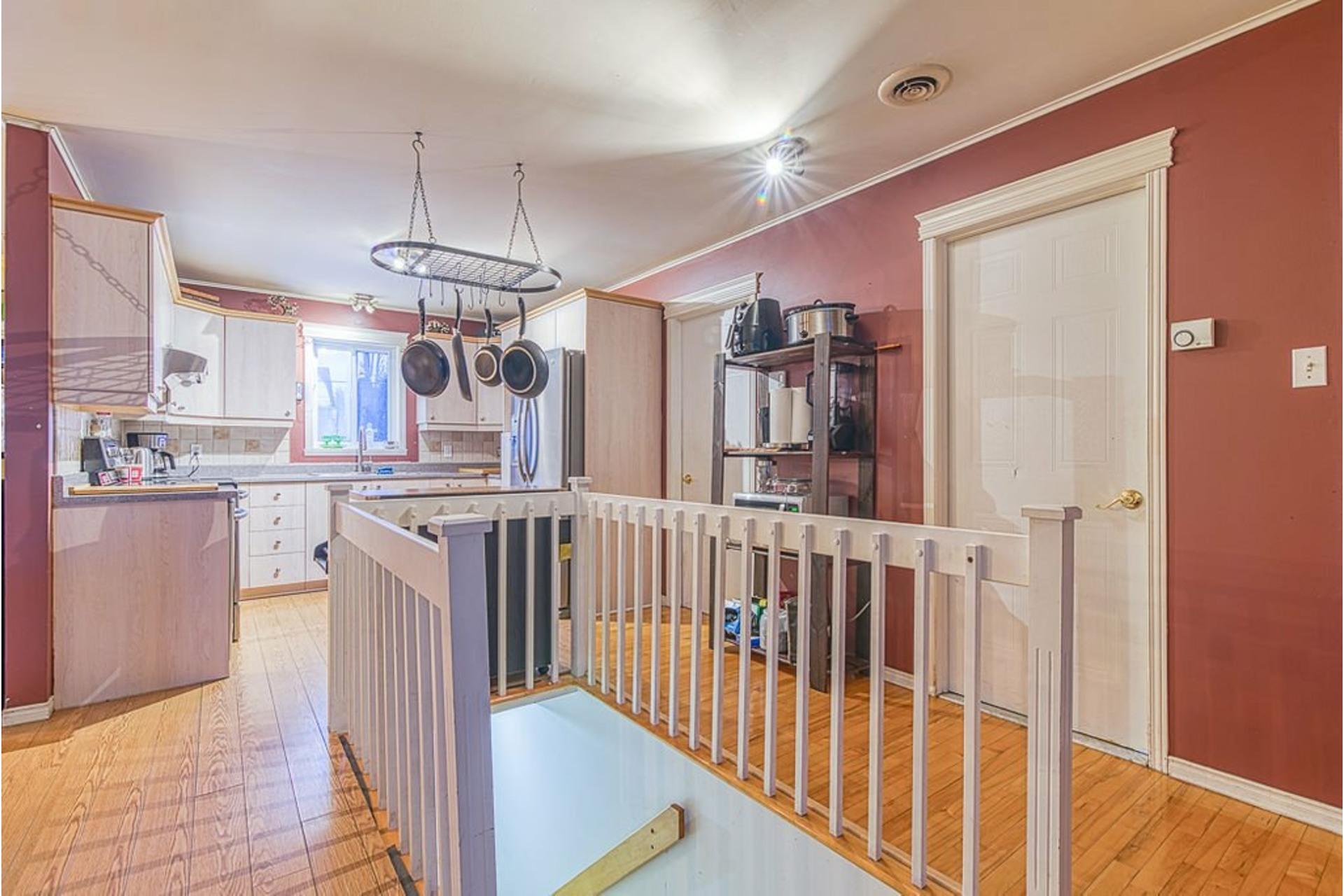 image 4 - Maison À vendre Sainte-Anne-des-Plaines - 10 pièces