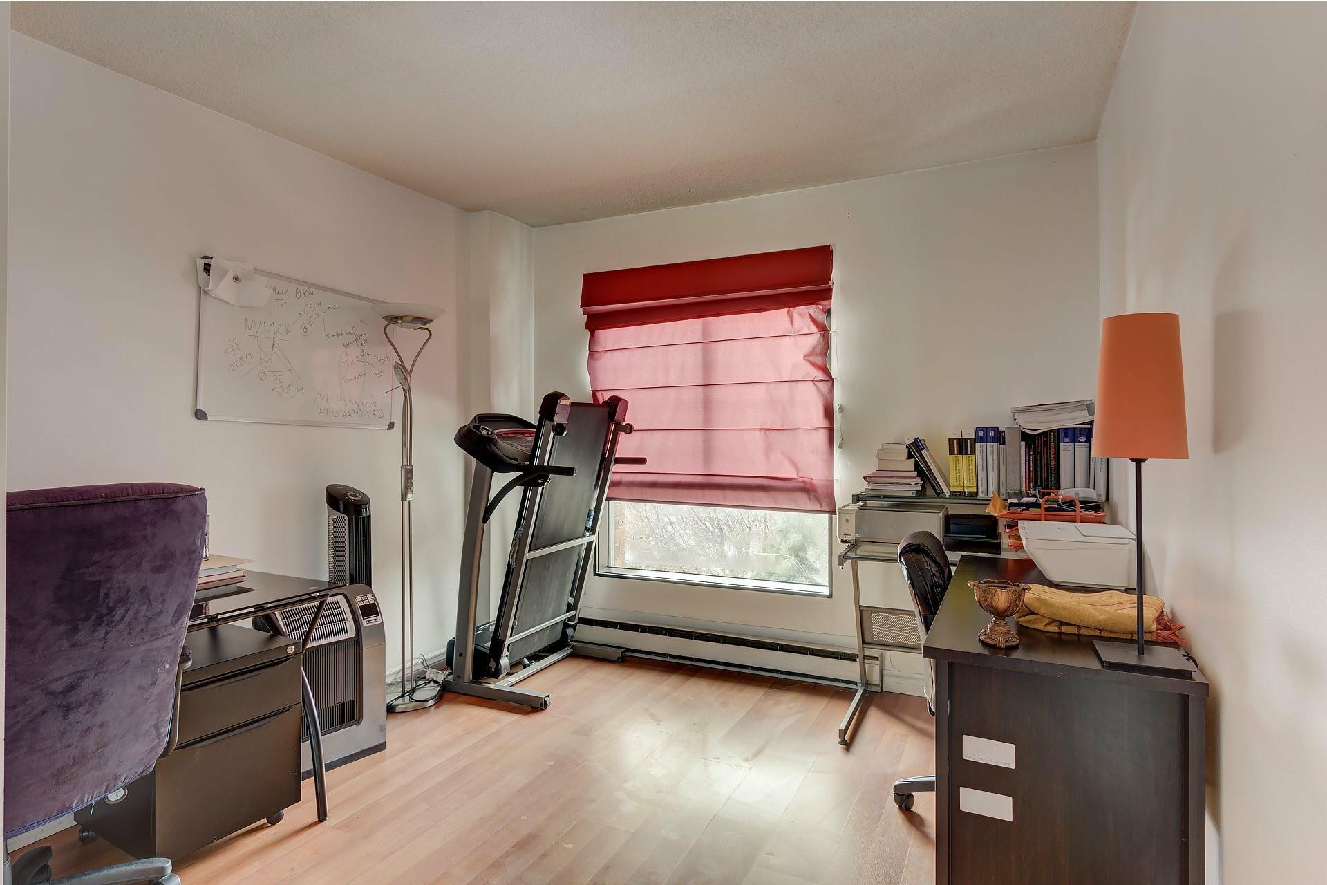 image 14 - Apartment For rent Ville-Marie Montréal  - 6 rooms