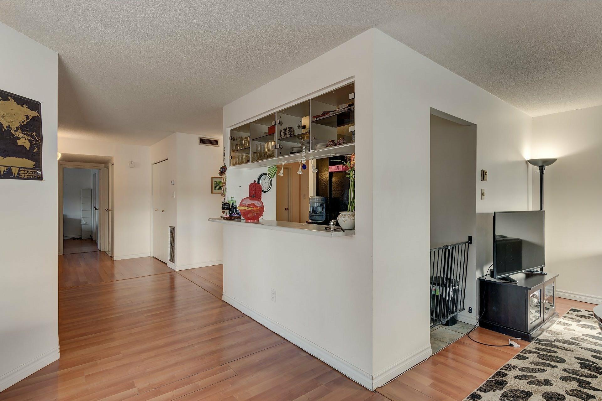 image 19 - Apartment For rent Ville-Marie Montréal  - 6 rooms