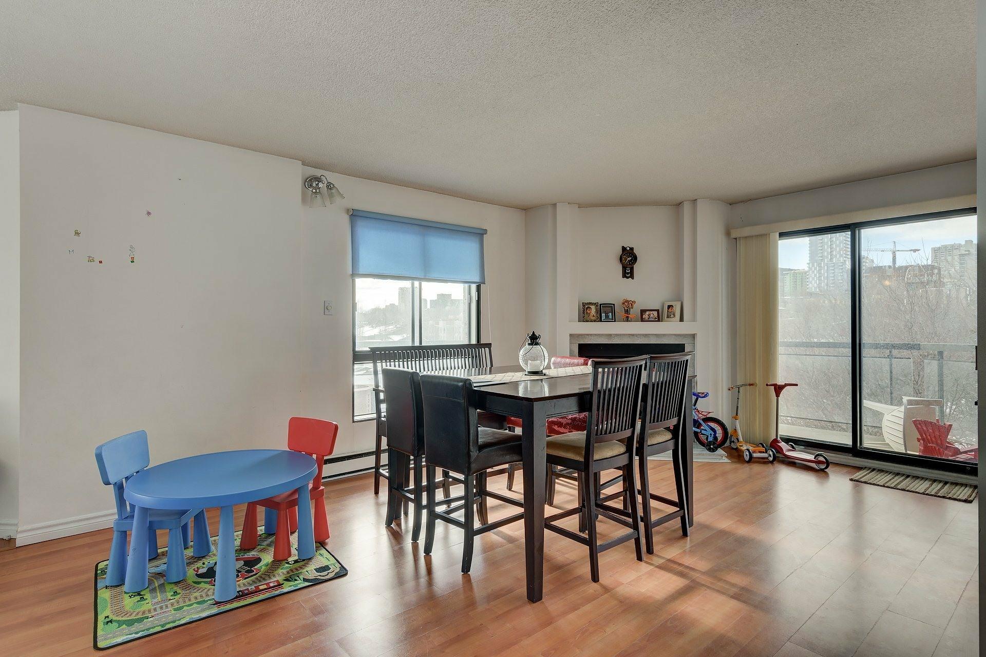 image 17 - Apartment For rent Ville-Marie Montréal  - 6 rooms