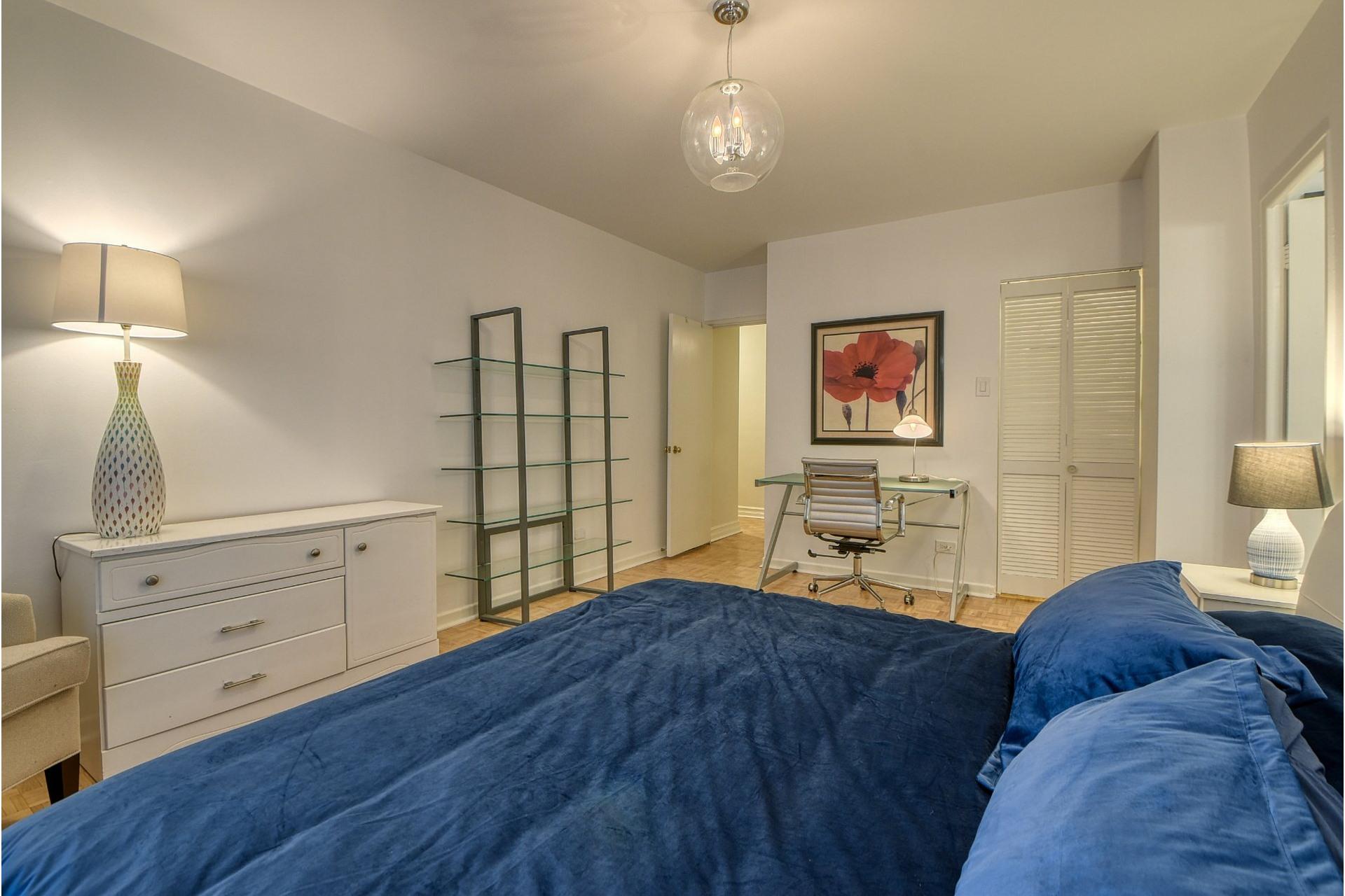 image 7 - Apartment For rent Ville-Marie Montréal  - 6 rooms