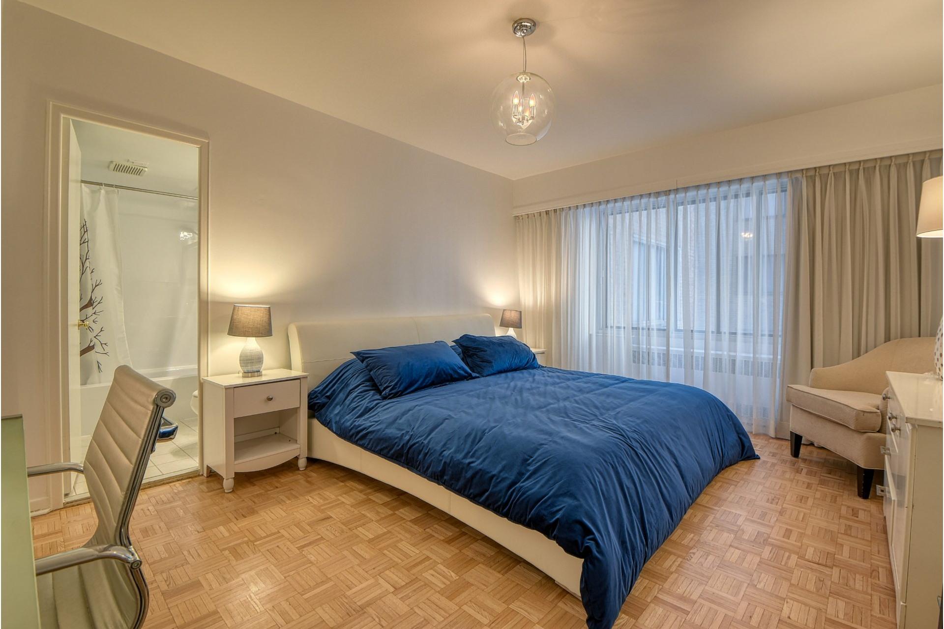 image 6 - Apartment For rent Ville-Marie Montréal  - 6 rooms