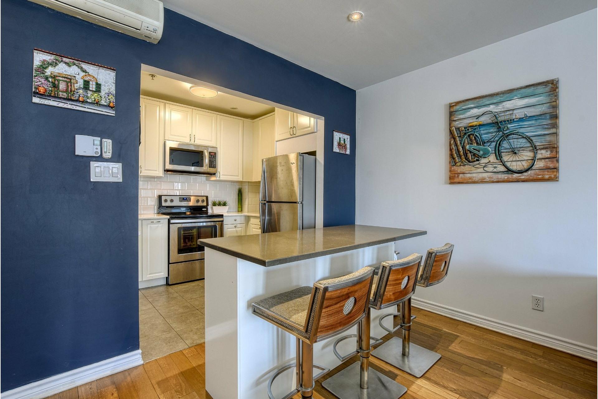 image 3 - Appartement À louer Ville-Marie Montréal  - 5 pièces