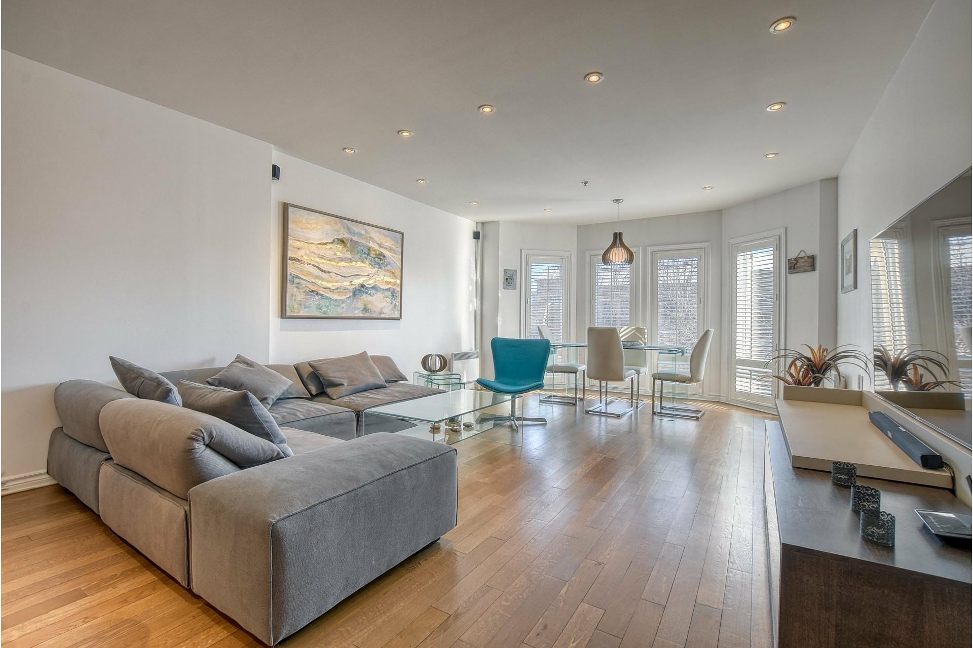 image 2 - Appartement À louer Ville-Marie Montréal  - 5 pièces