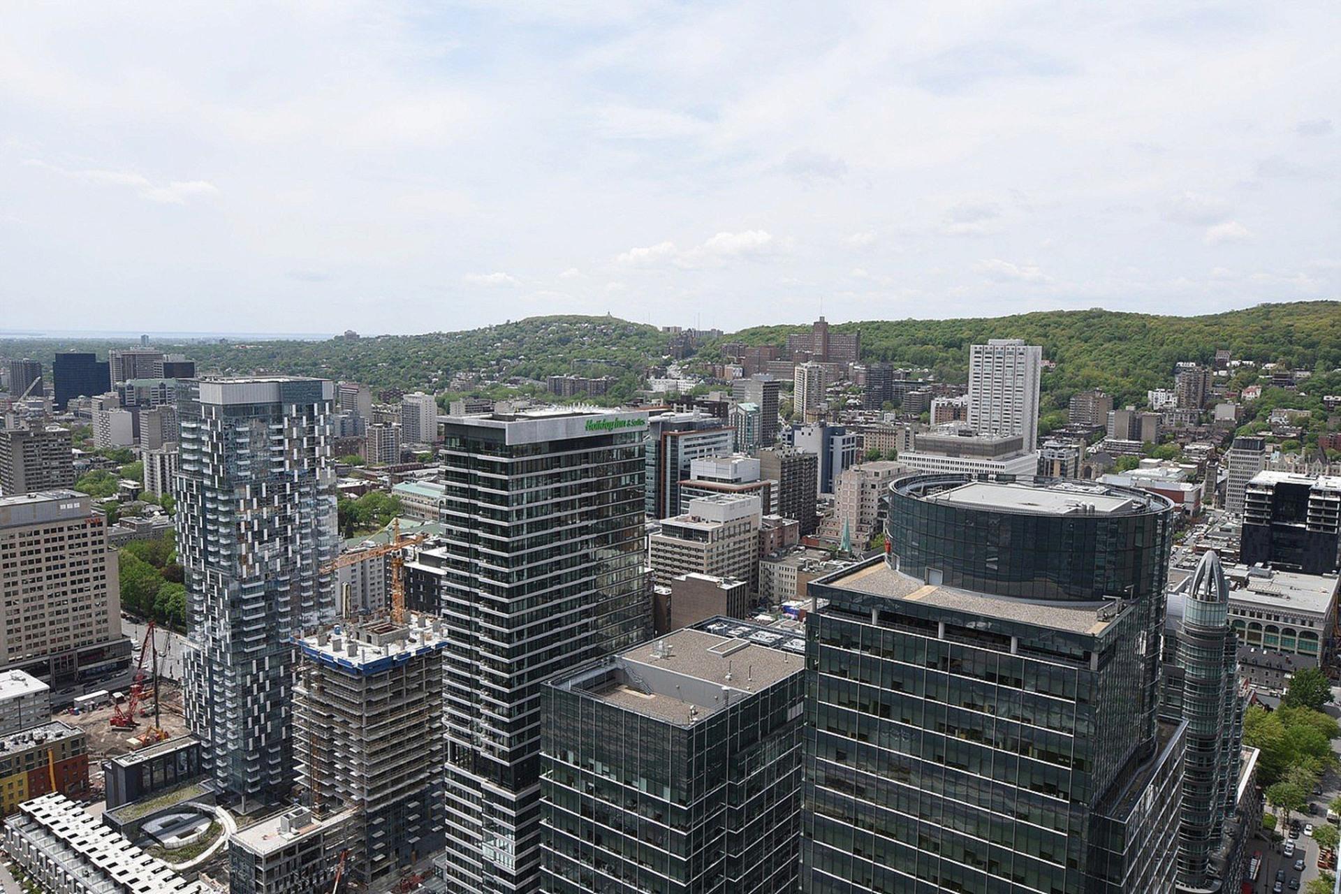 image 24 - Appartement À louer Ville-Marie Montréal  - 7 pièces