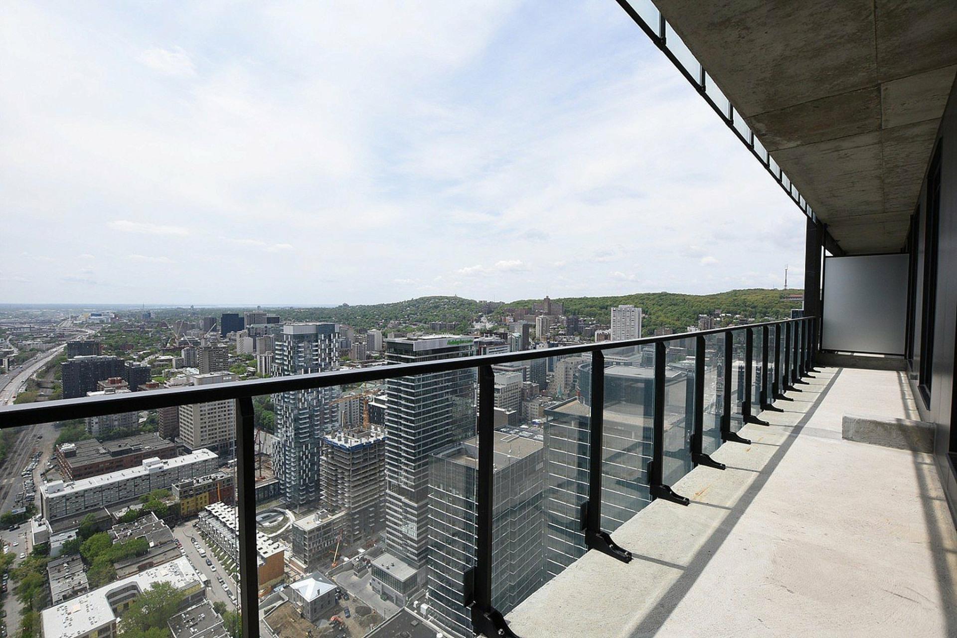 image 28 - Appartement À louer Ville-Marie Montréal  - 7 pièces