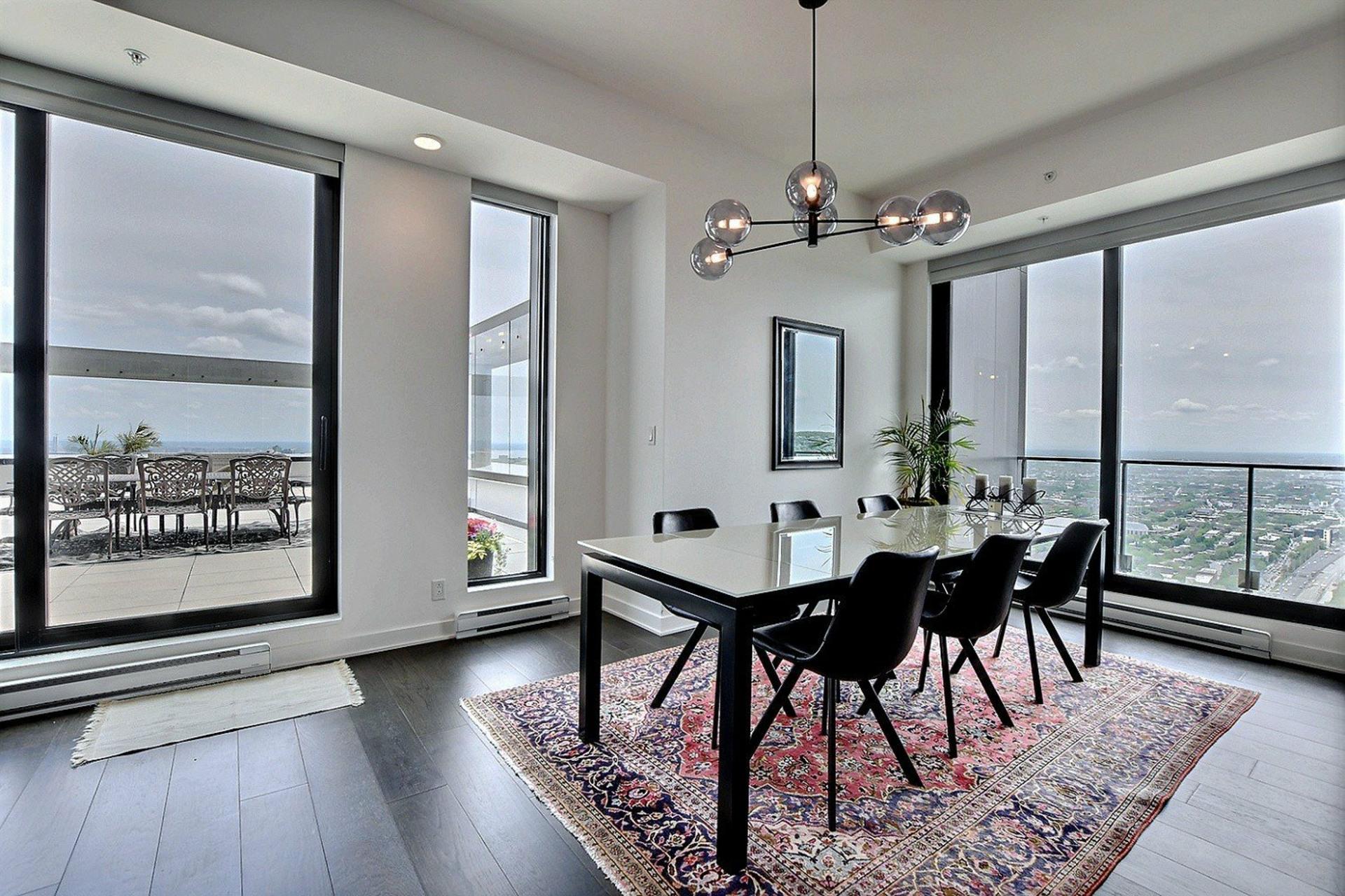 image 1 - Appartement À louer Ville-Marie Montréal  - 7 pièces