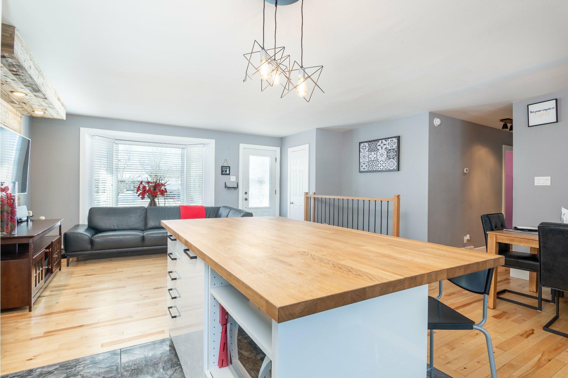 image 3 - House For sale La Haute-Saint-Charles Québec  - 10 rooms