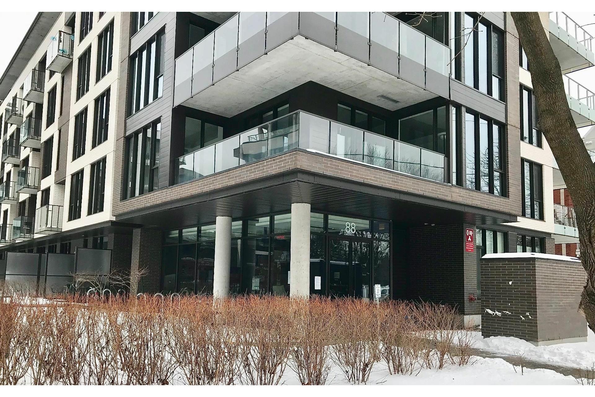 image 14 - Appartement À vendre Villeray/Saint-Michel/Parc-Extension Montréal  - 4 pièces