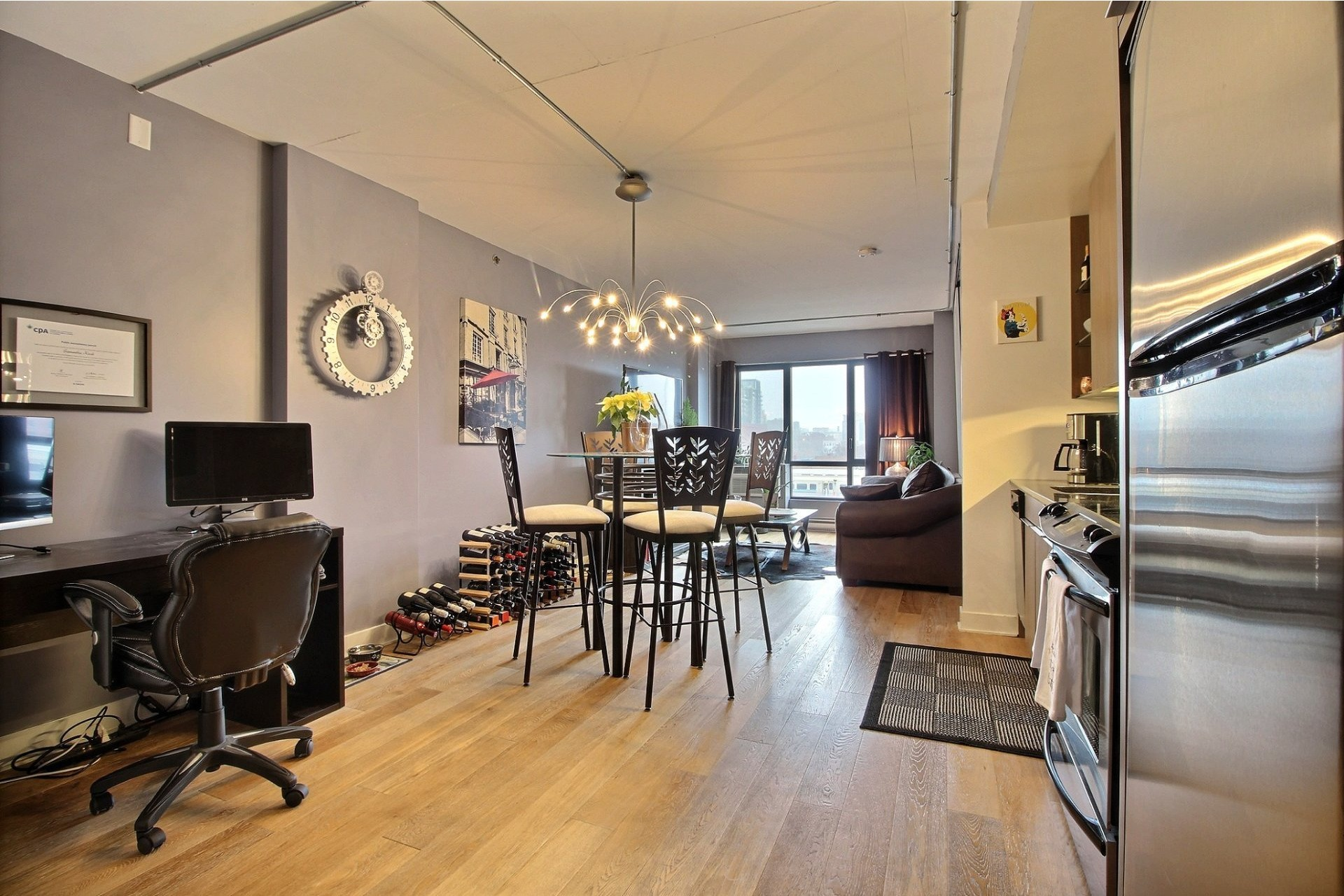 image 0 - Appartement À vendre Le Sud-Ouest Montréal  - 4 pièces