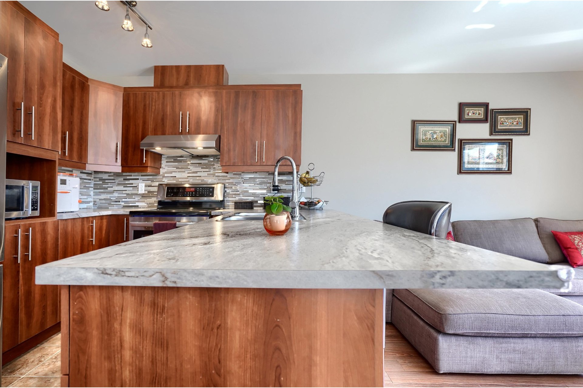 image 6 - House For sale Brossard - 11 rooms