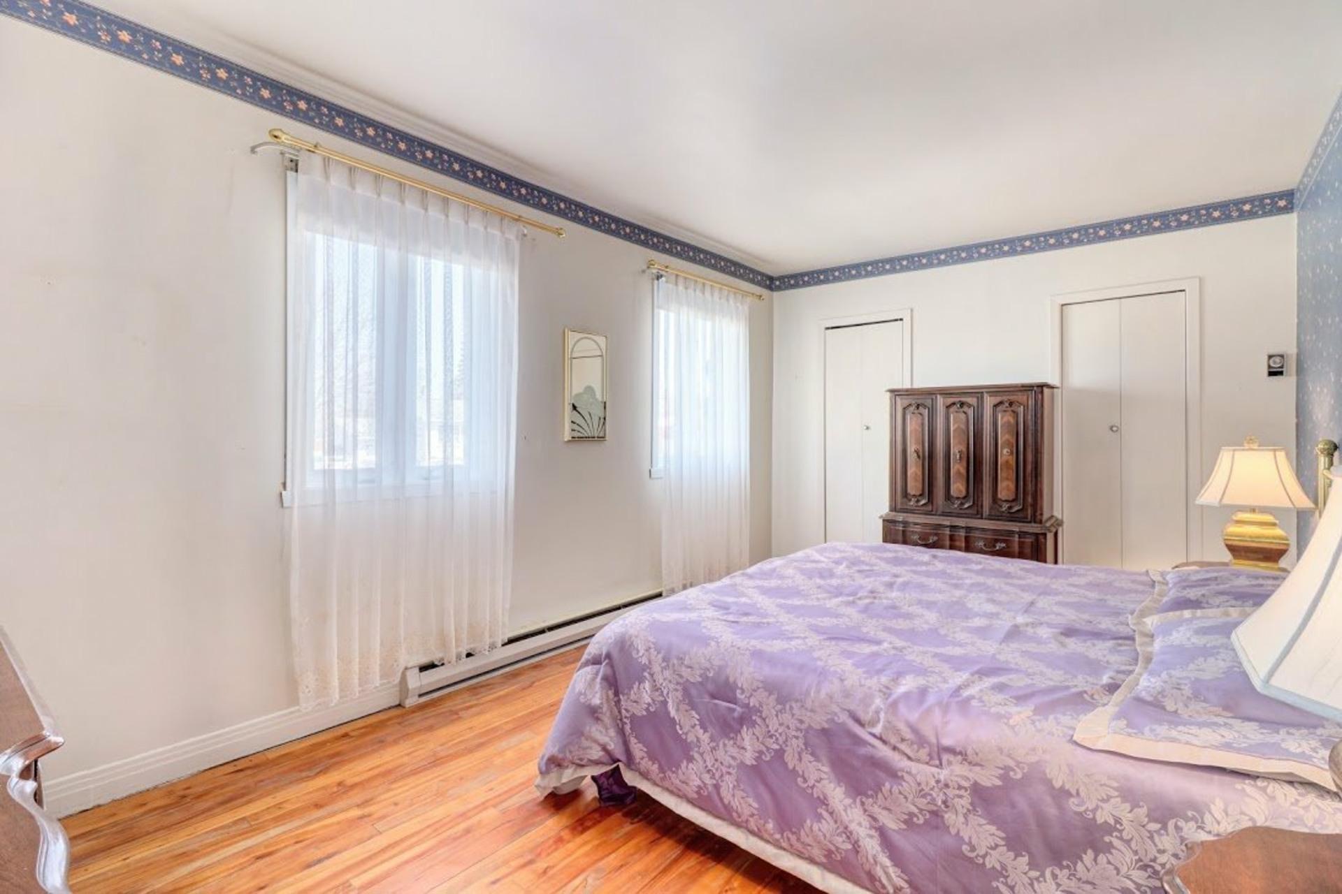 image 15 - House For sale Notre-Dame-des-Prairies - 9 rooms