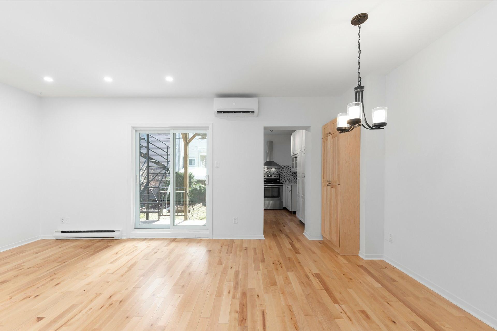 image 21 - Appartement À vendre Le Sud-Ouest Montréal  - 6 pièces