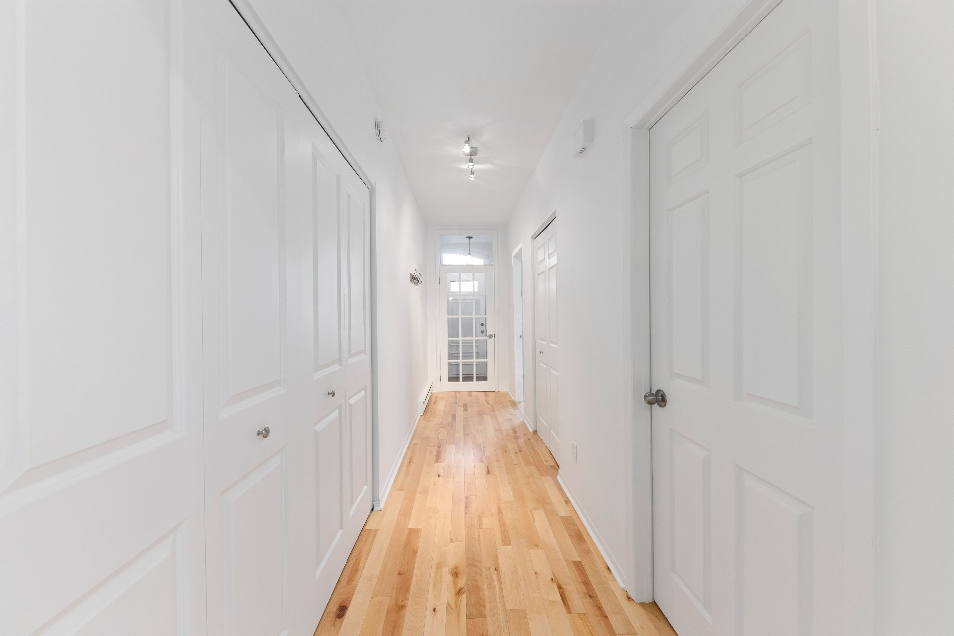image 13 - Appartement À vendre Le Sud-Ouest Montréal  - 6 pièces