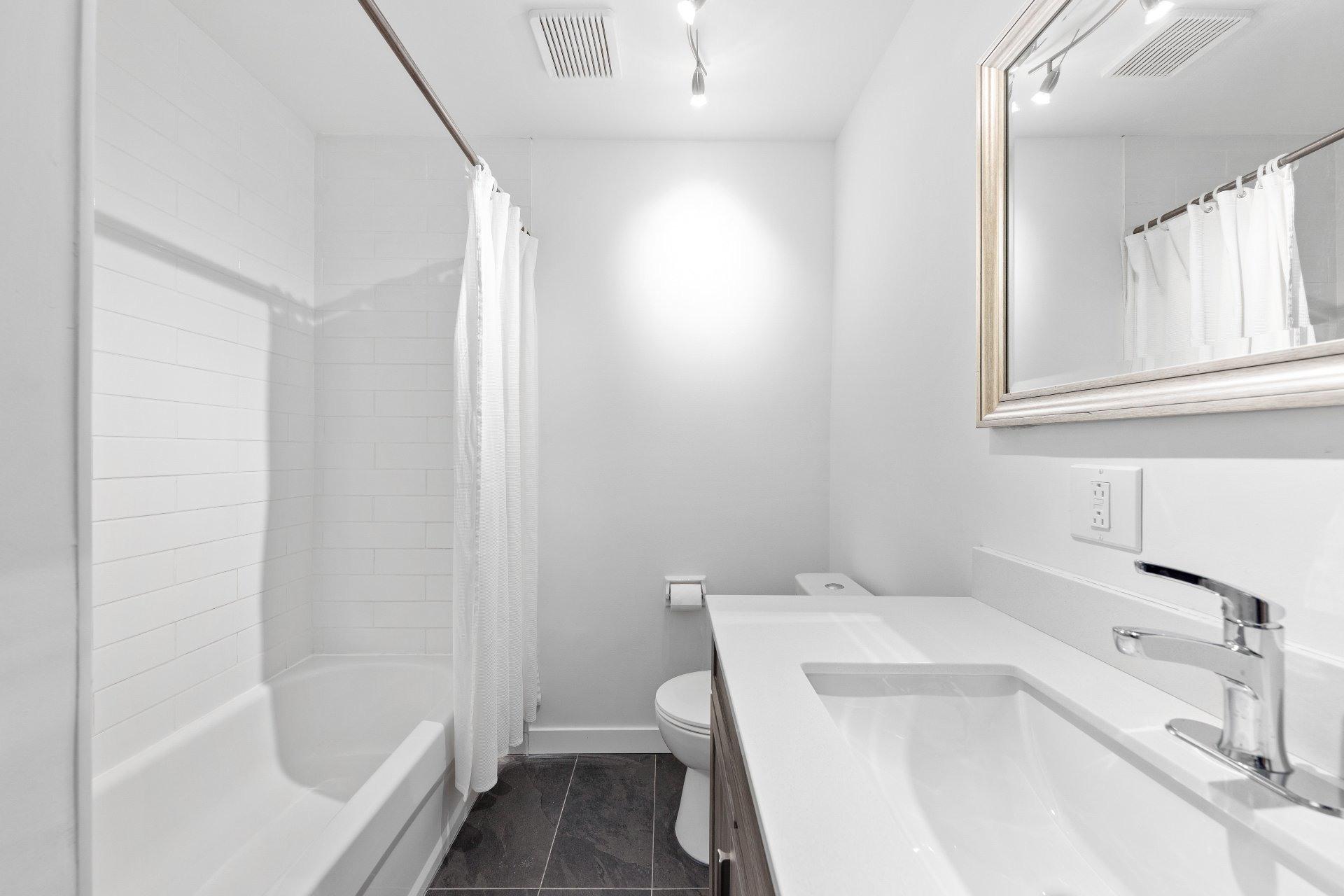 image 28 - Appartement À vendre Le Sud-Ouest Montréal  - 6 pièces