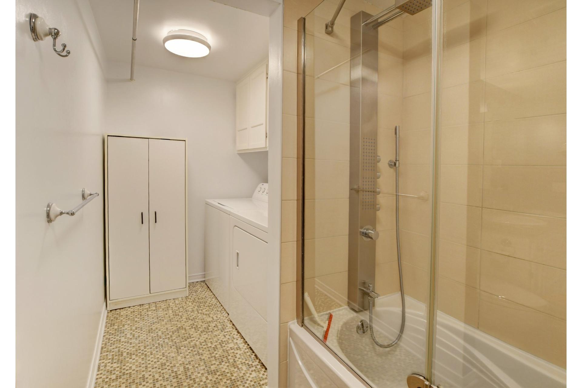 image 18 - Apartment For sale Rivière-des-Prairies/Pointe-aux-Trembles Montréal  - 9 rooms