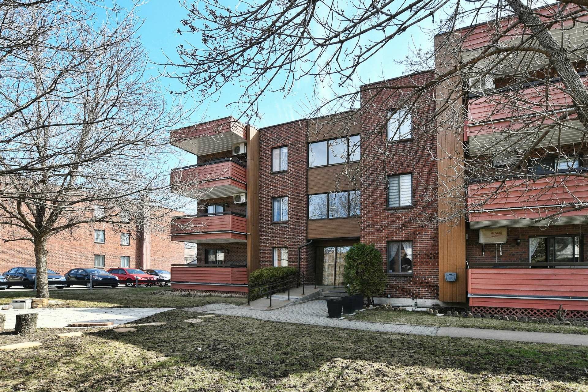 image 22 - Apartment For sale Rivière-des-Prairies/Pointe-aux-Trembles Montréal  - 9 rooms