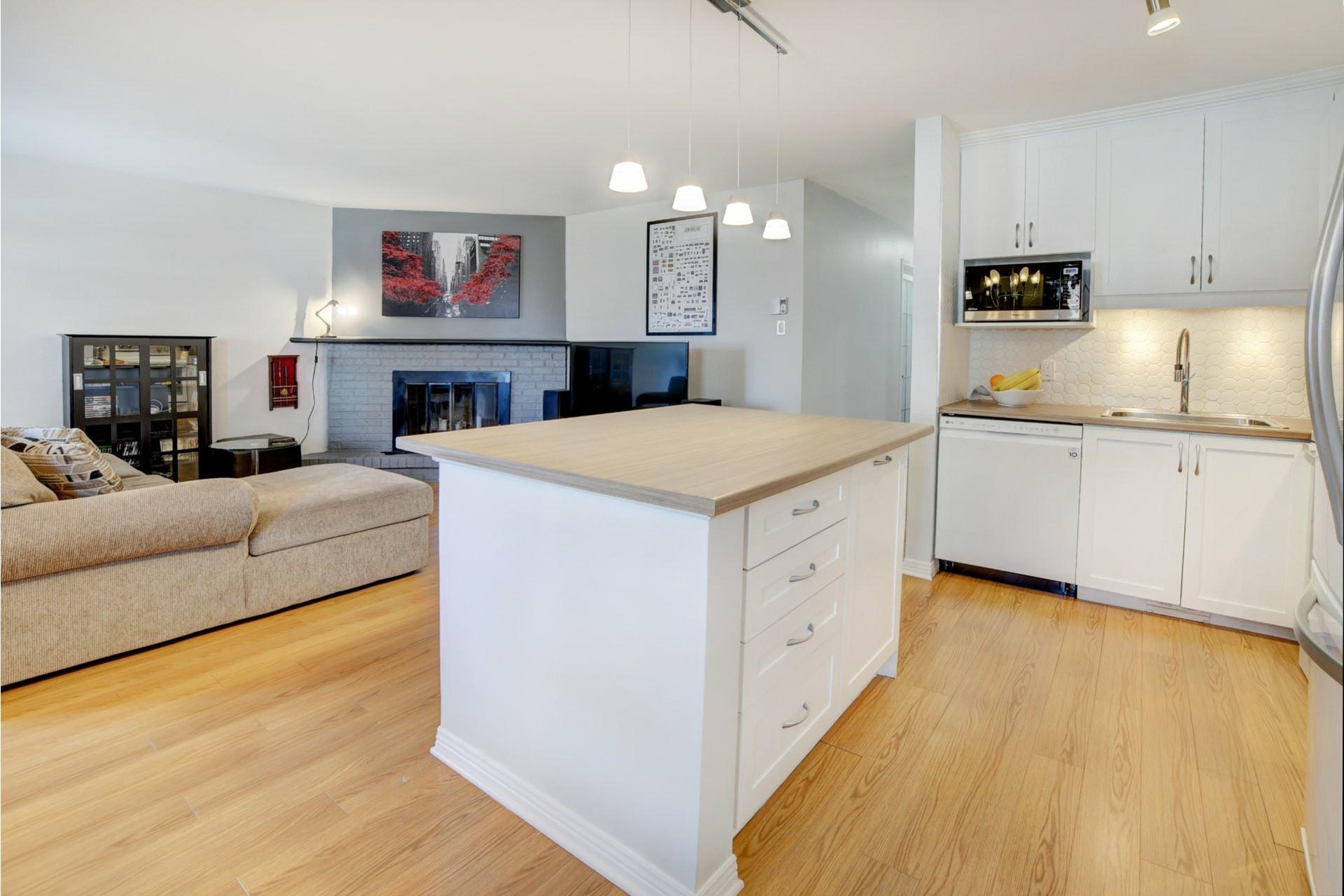 image 7 - Apartment For sale Rivière-des-Prairies/Pointe-aux-Trembles Montréal  - 9 rooms