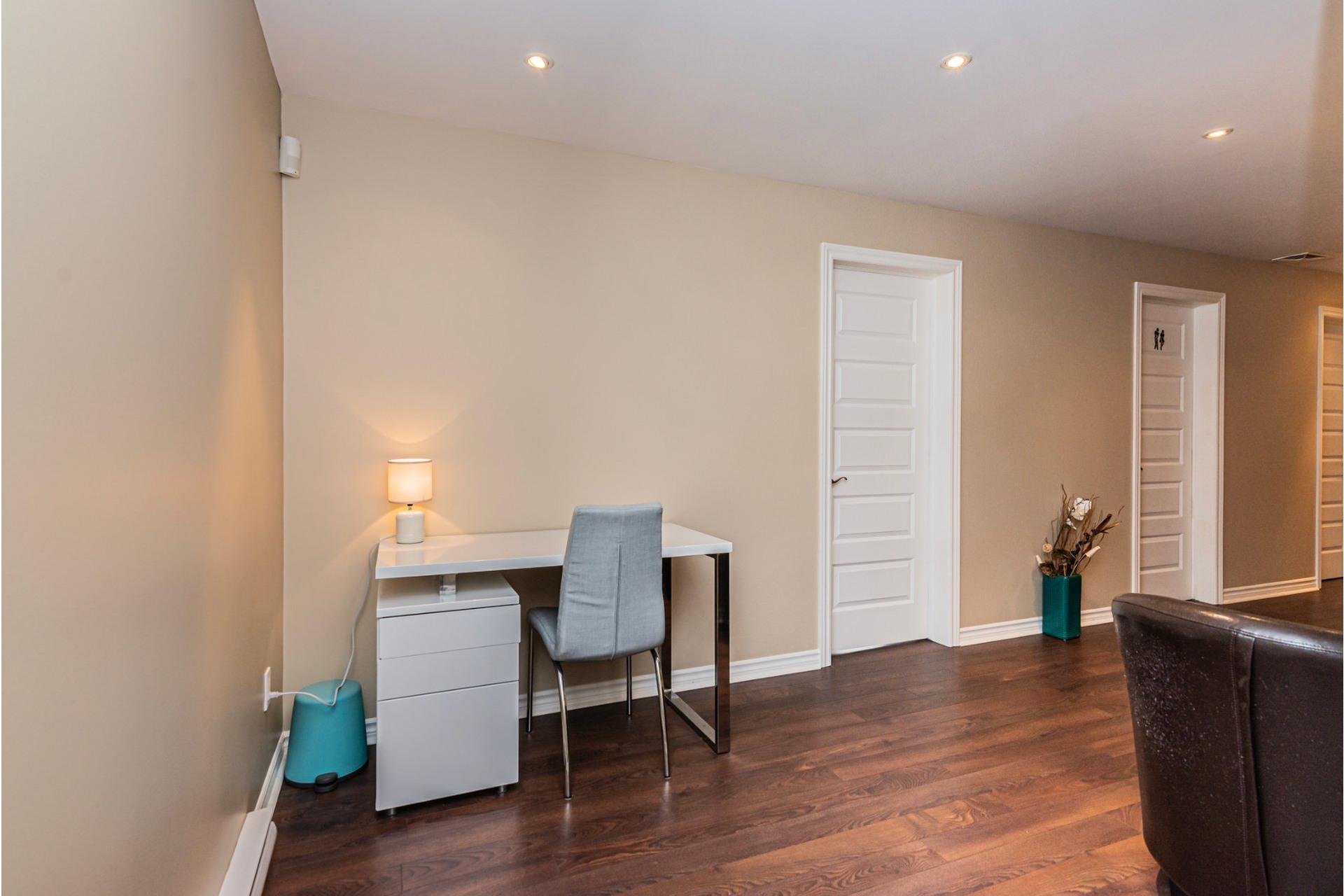 image 20 - Appartement À vendre Lachine Montréal  - 11 pièces