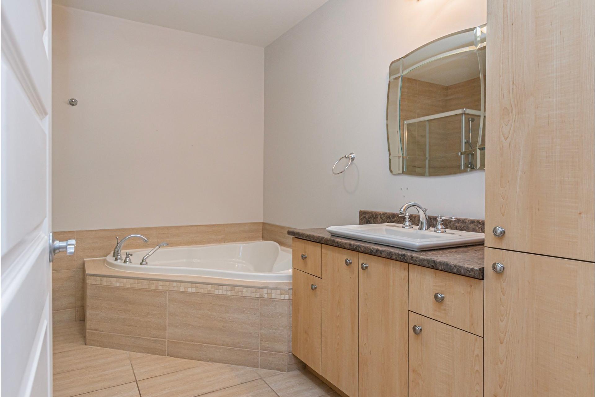 image 14 - Appartement À vendre Lachine Montréal  - 11 pièces