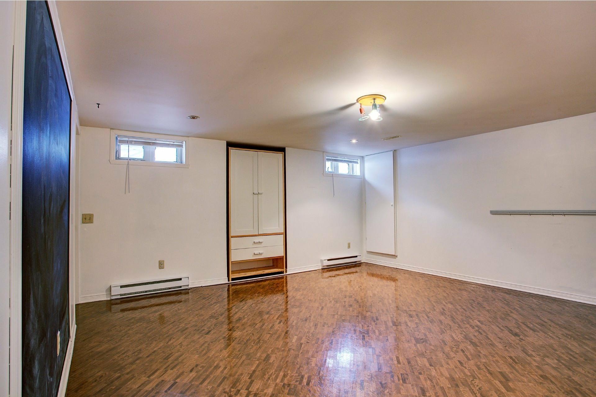 image 19 - House For sale Kirkland - 14 rooms