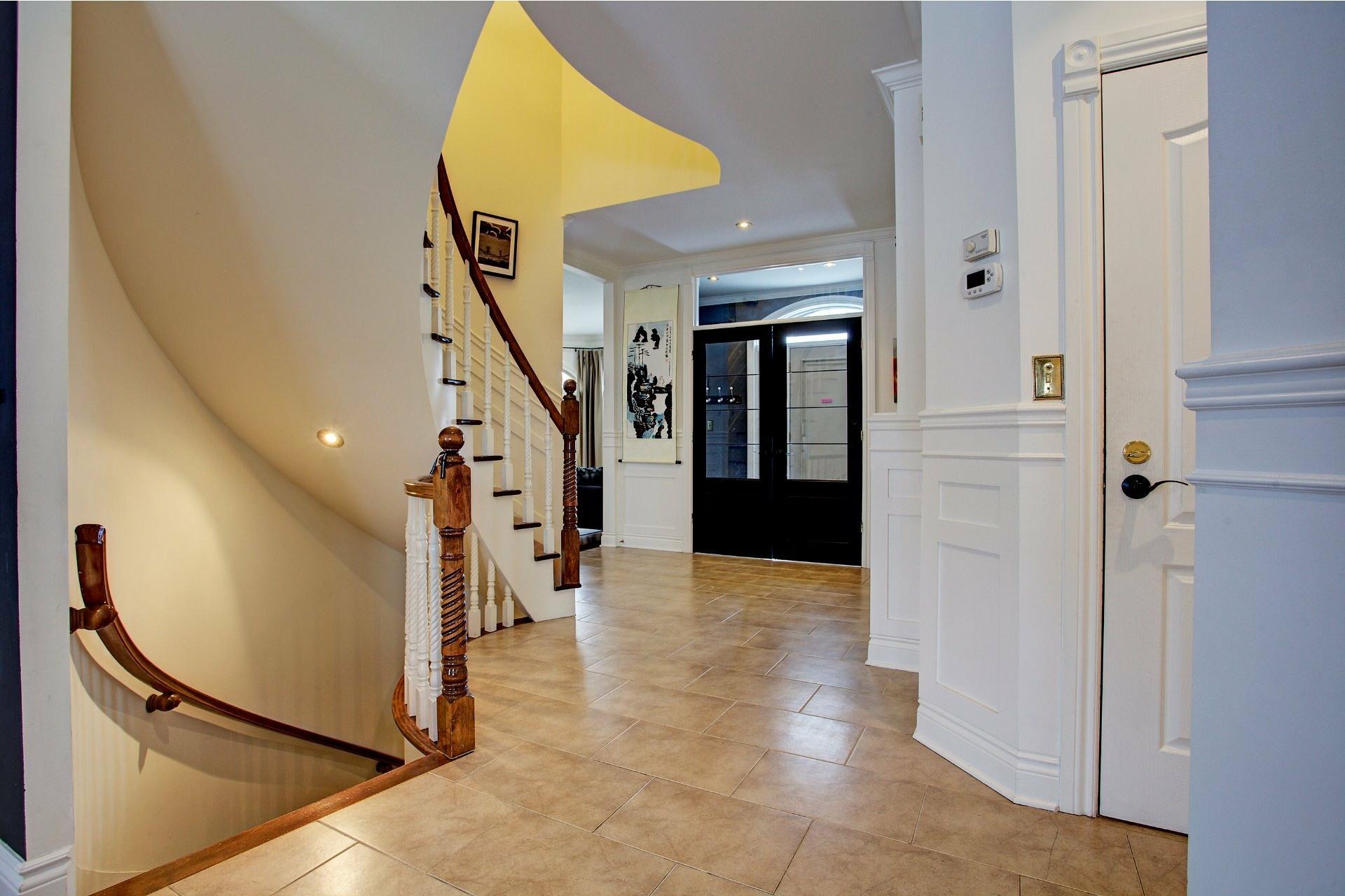 image 4 - House For sale Kirkland - 14 rooms