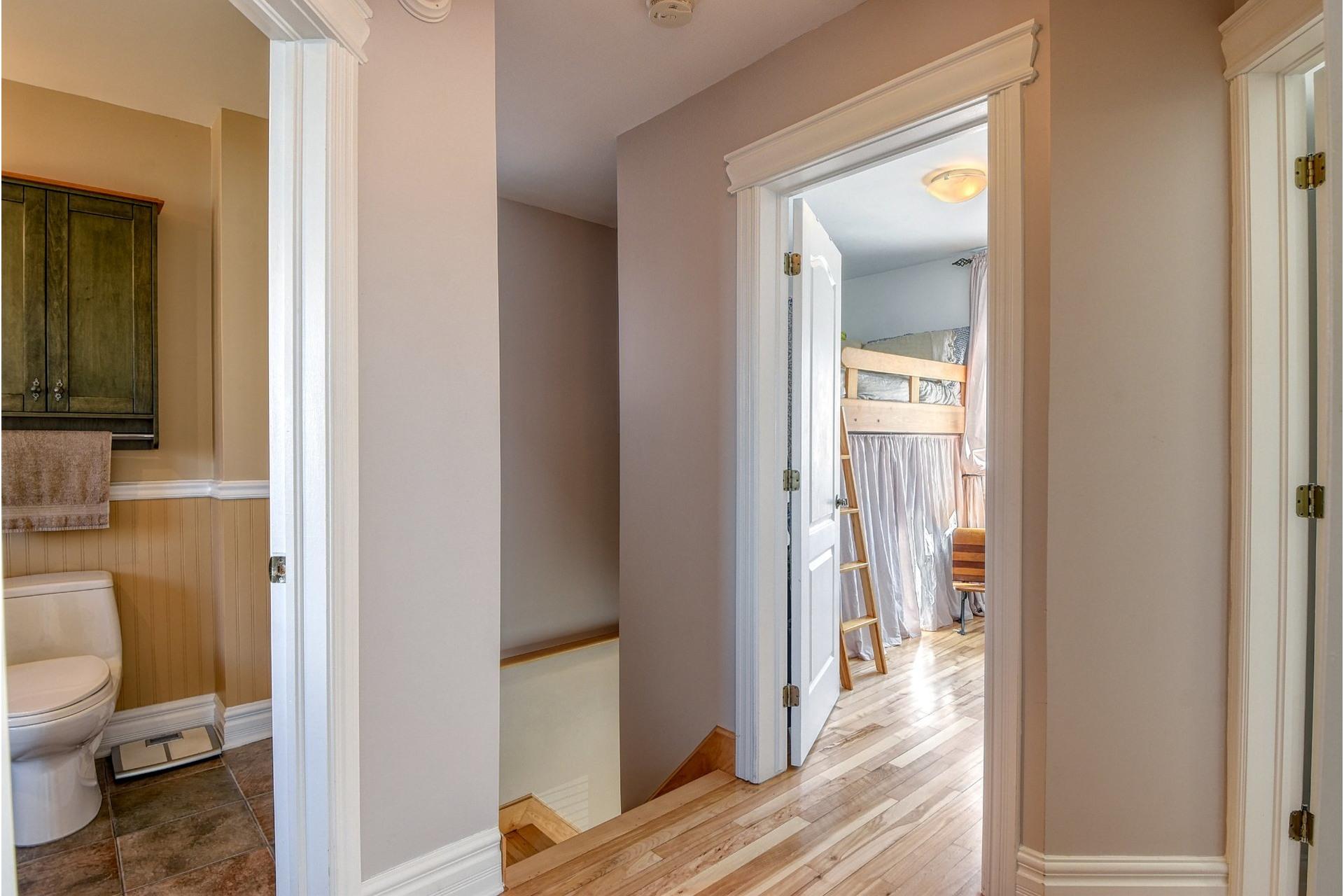 image 15 - House For sale Verdun/Île-des-Soeurs Montréal  - 9 rooms