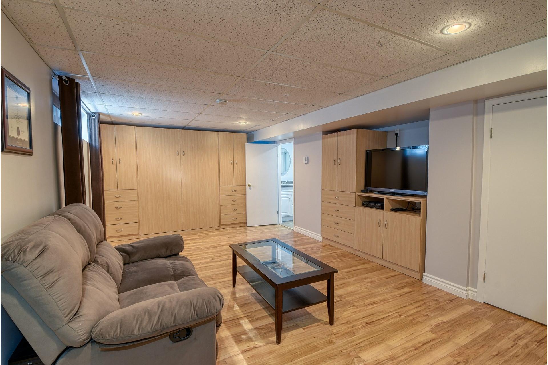 image 16 - House For sale Verdun/Île-des-Soeurs Montréal  - 9 rooms