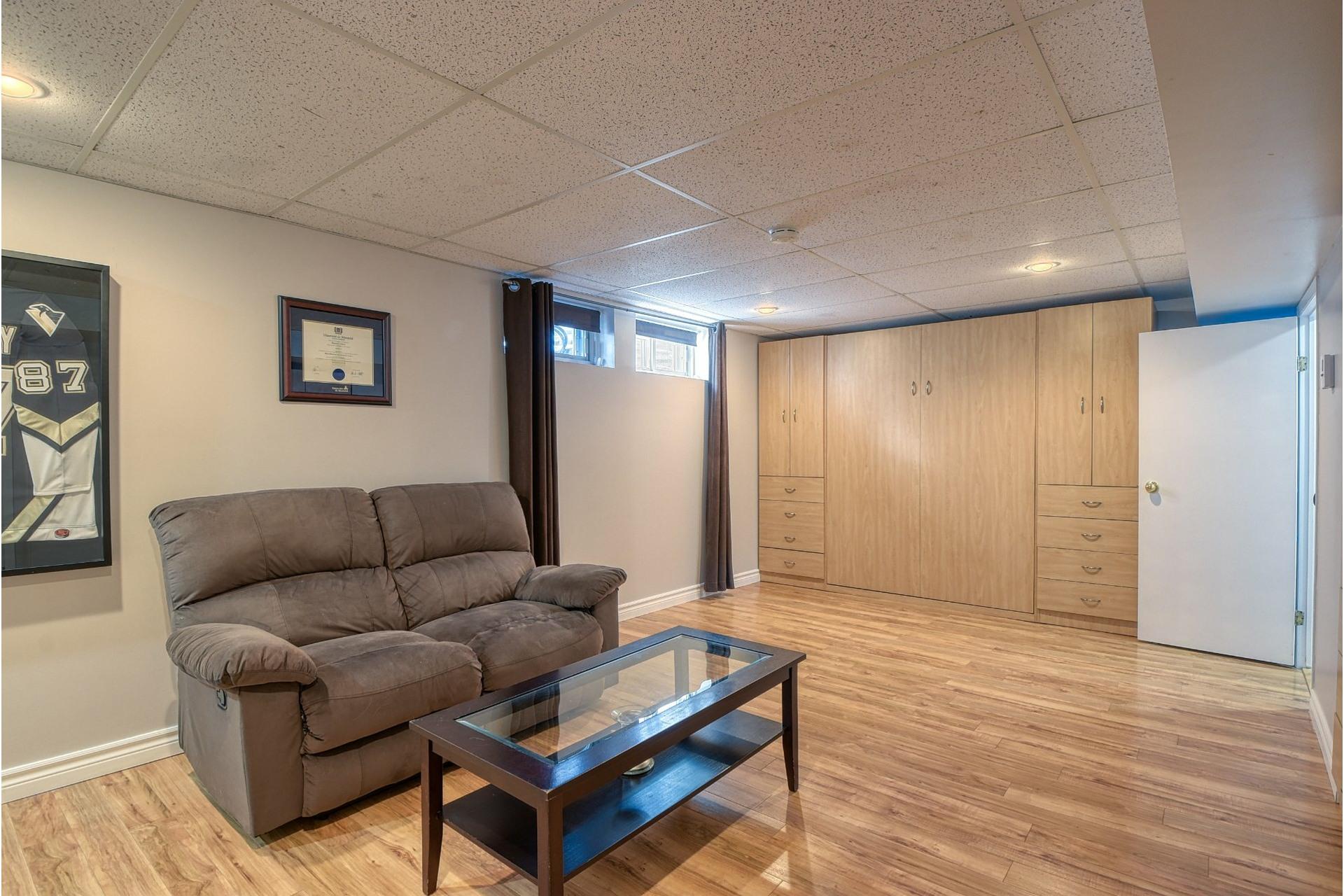 image 17 - House For sale Verdun/Île-des-Soeurs Montréal  - 9 rooms