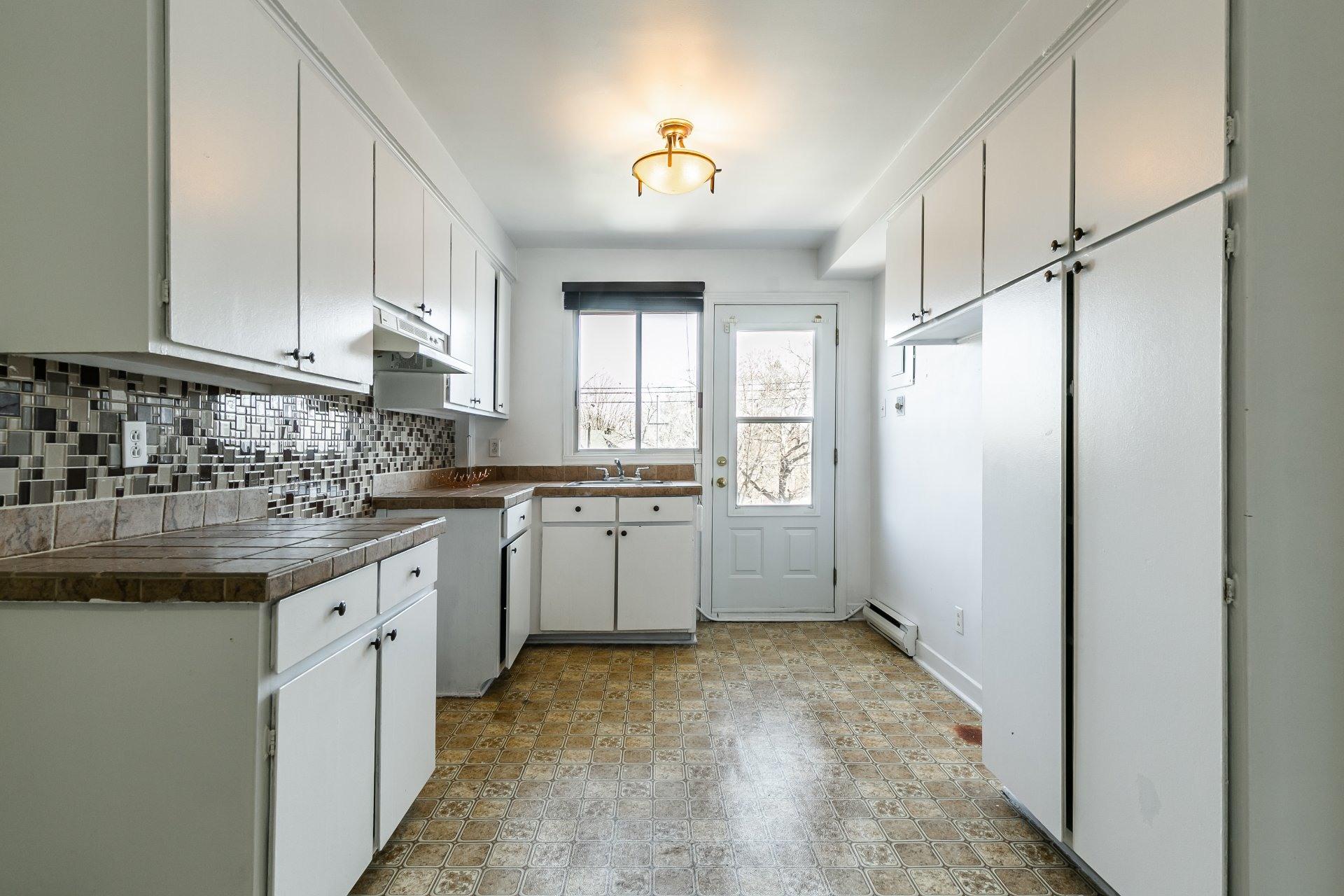 image 1 - Apartment For rent Anjou Montréal  - 5 rooms