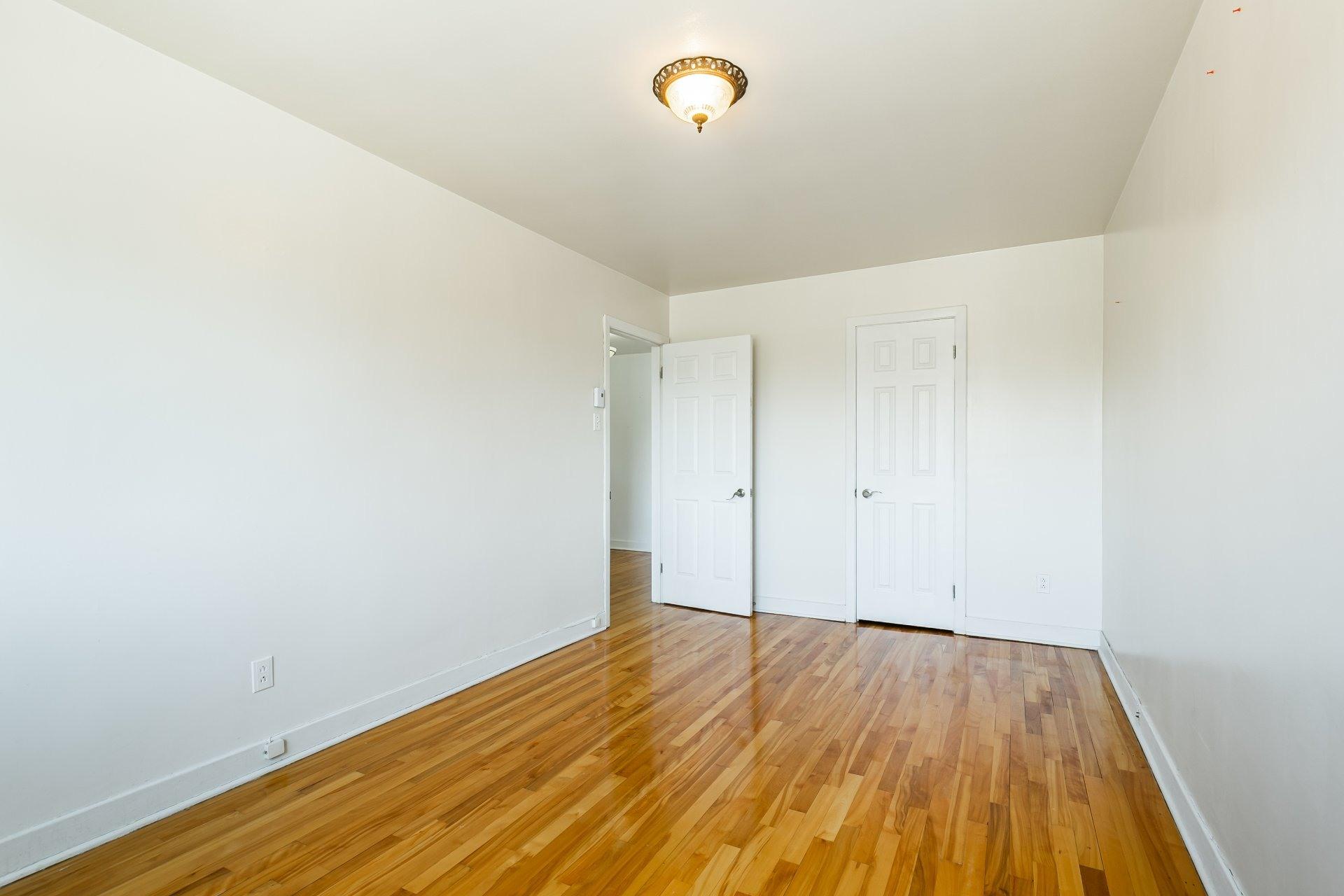 image 10 - Apartment For rent Anjou Montréal  - 5 rooms