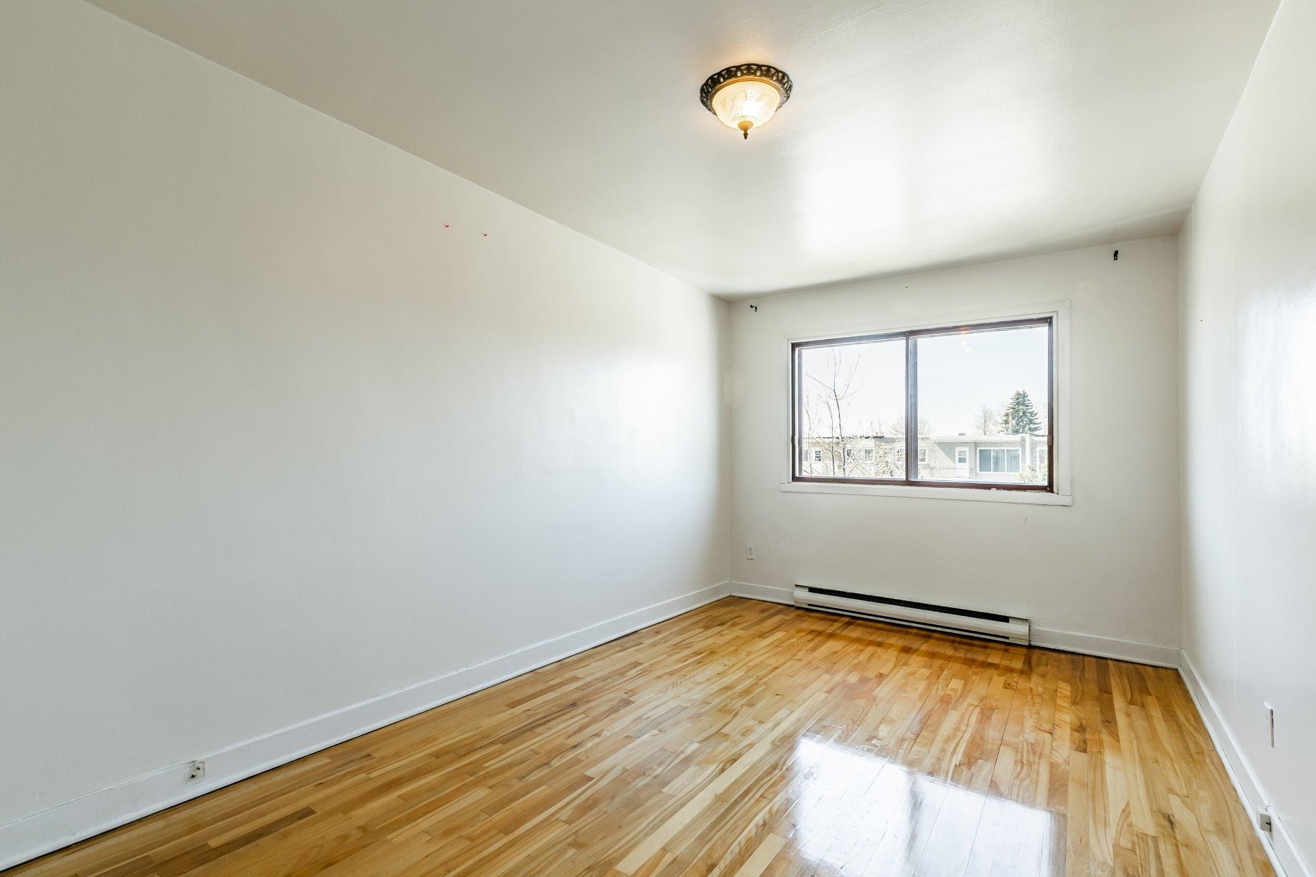 image 9 - Apartment For rent Anjou Montréal  - 5 rooms