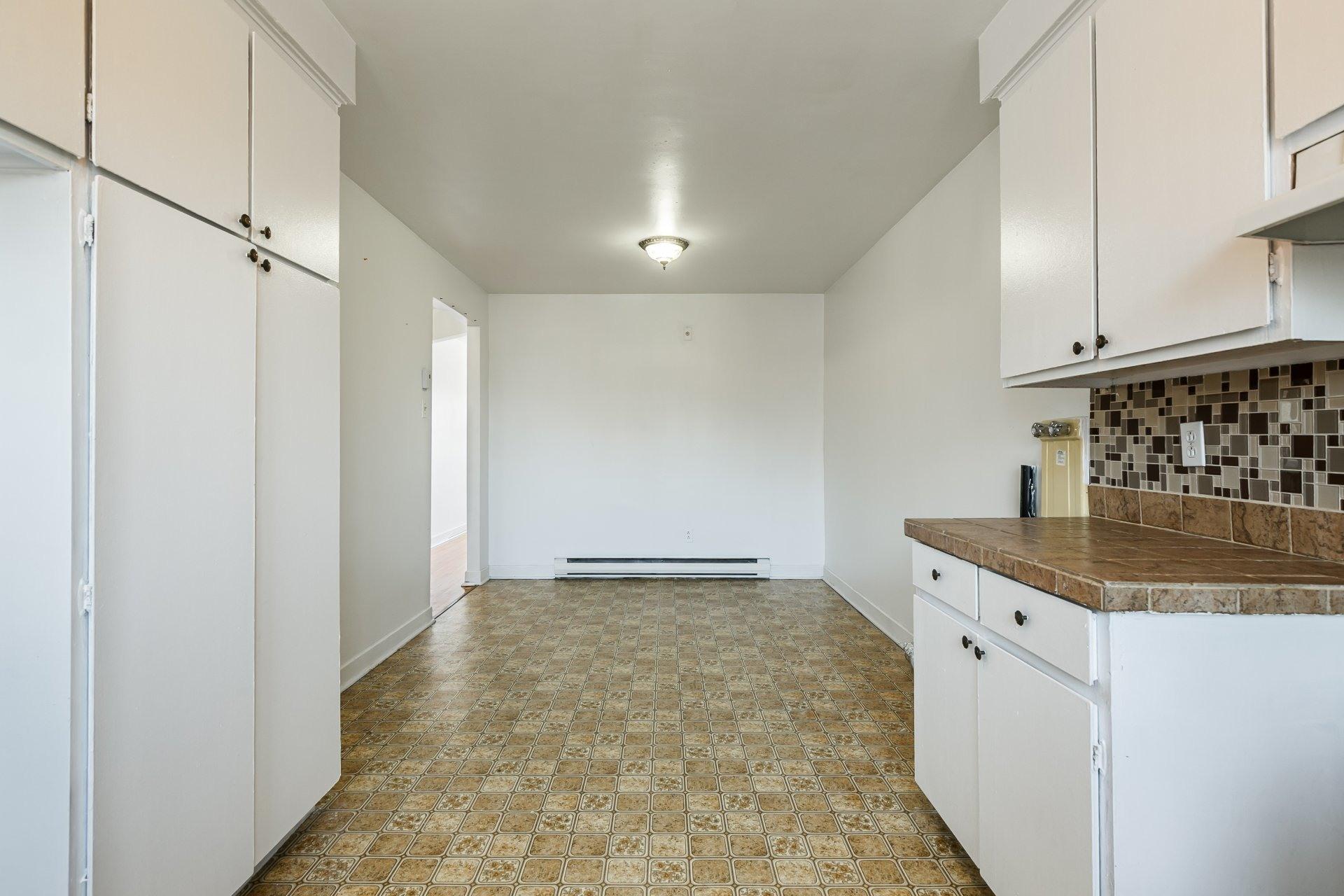 image 4 - Apartment For rent Anjou Montréal  - 5 rooms