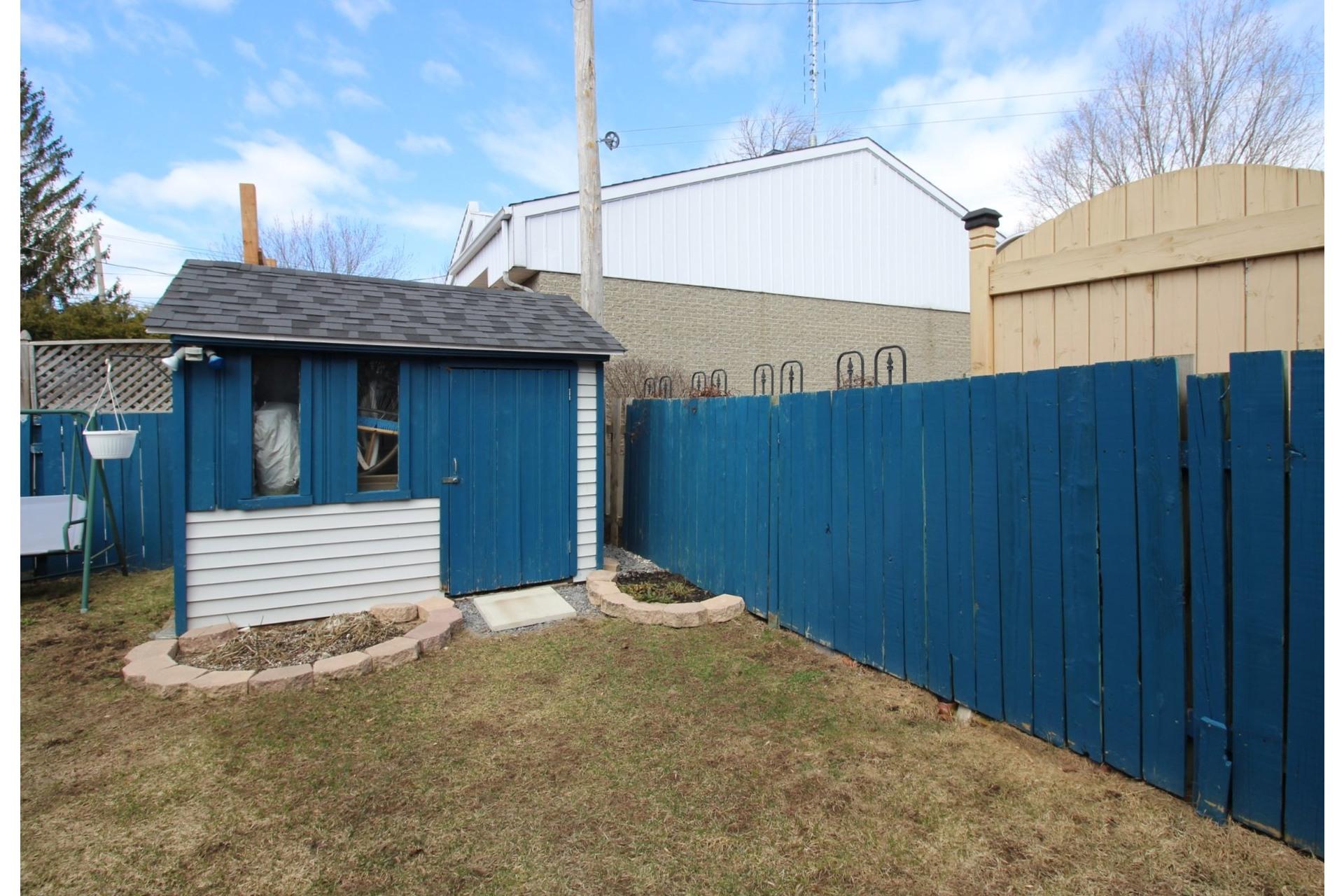 image 24 - Maison À vendre Rivière-des-Prairies/Pointe-aux-Trembles Montréal  - 8 pièces